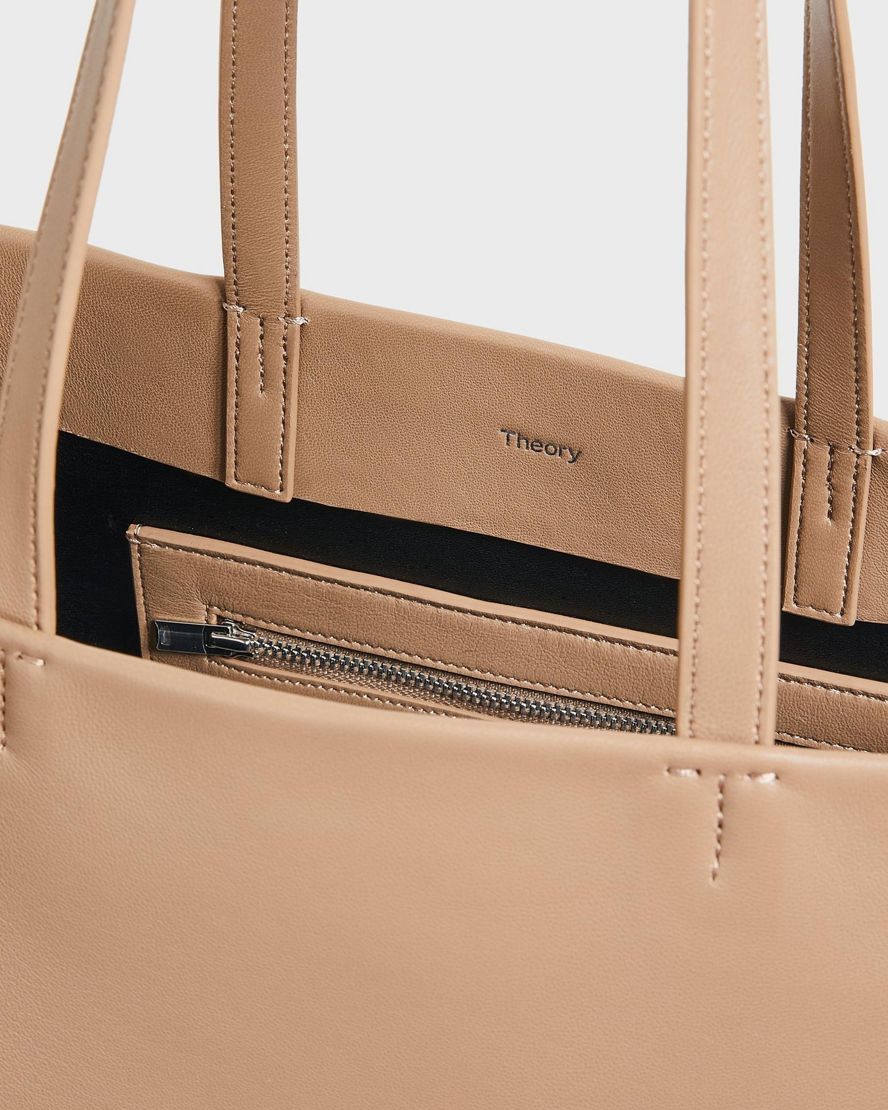 Simple Tote in Leather 4