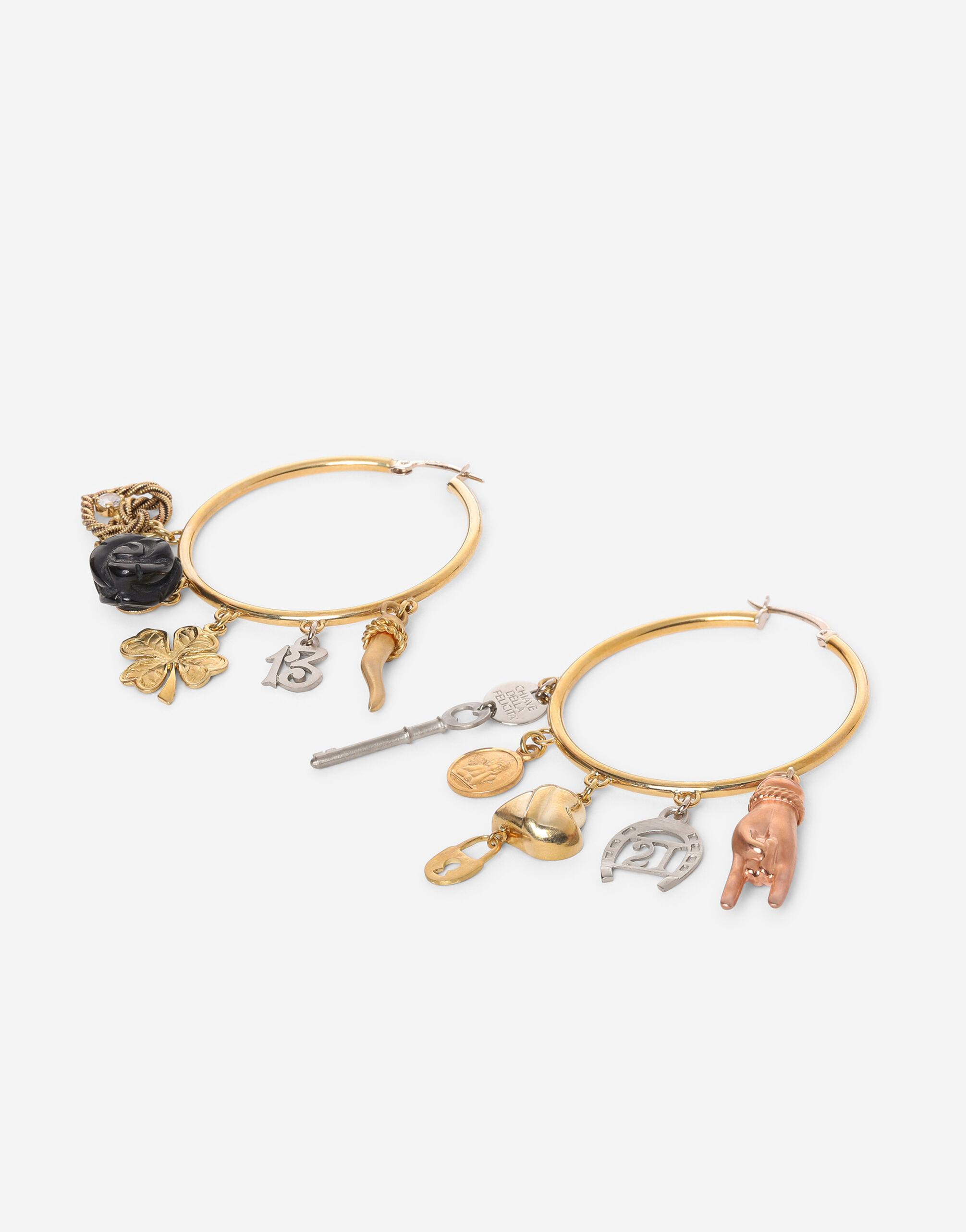 Good Luck earrings in 18kt yellow, white and red gold with lucky charms 1