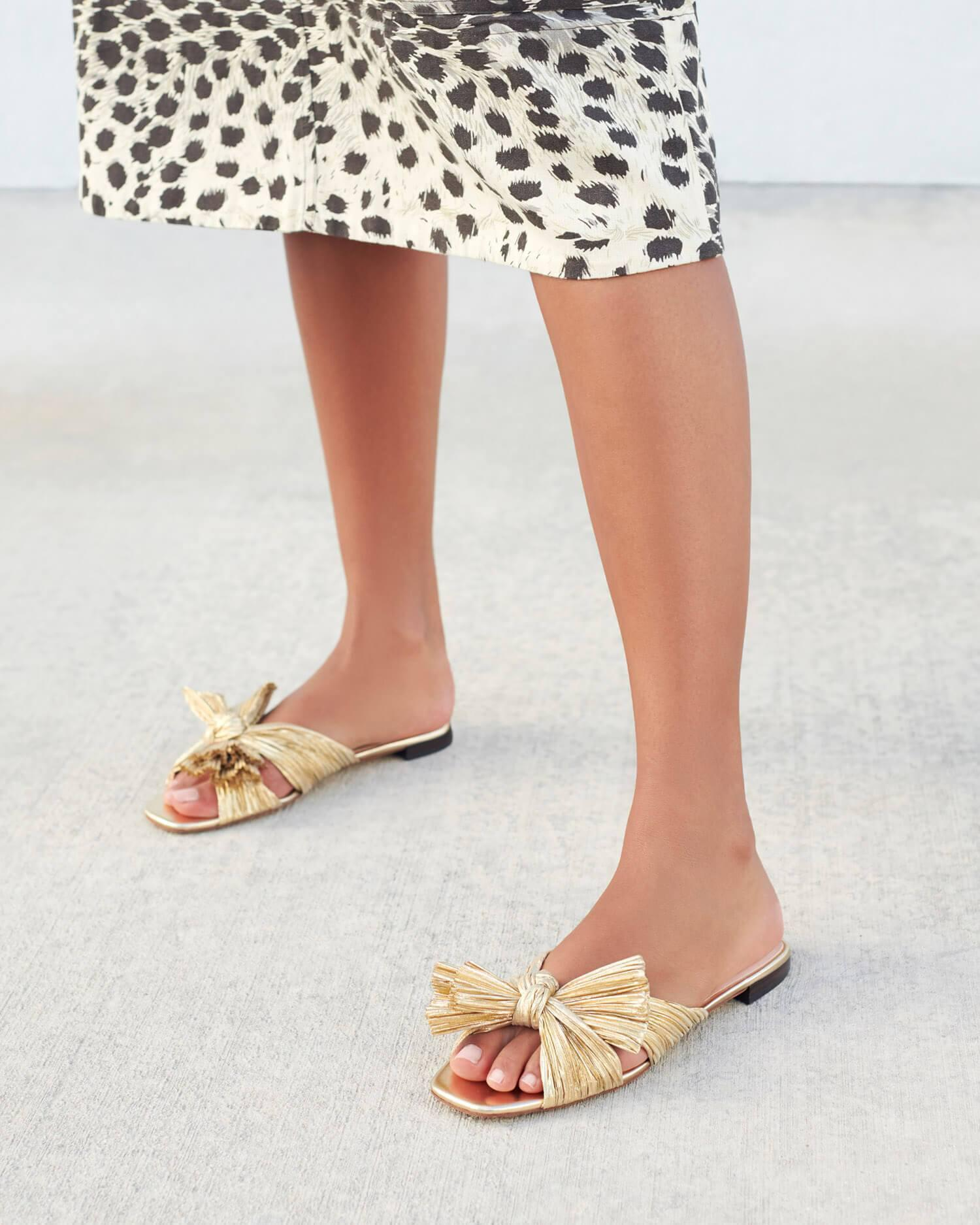 Daphne Pleated Gold Bow Slide 2