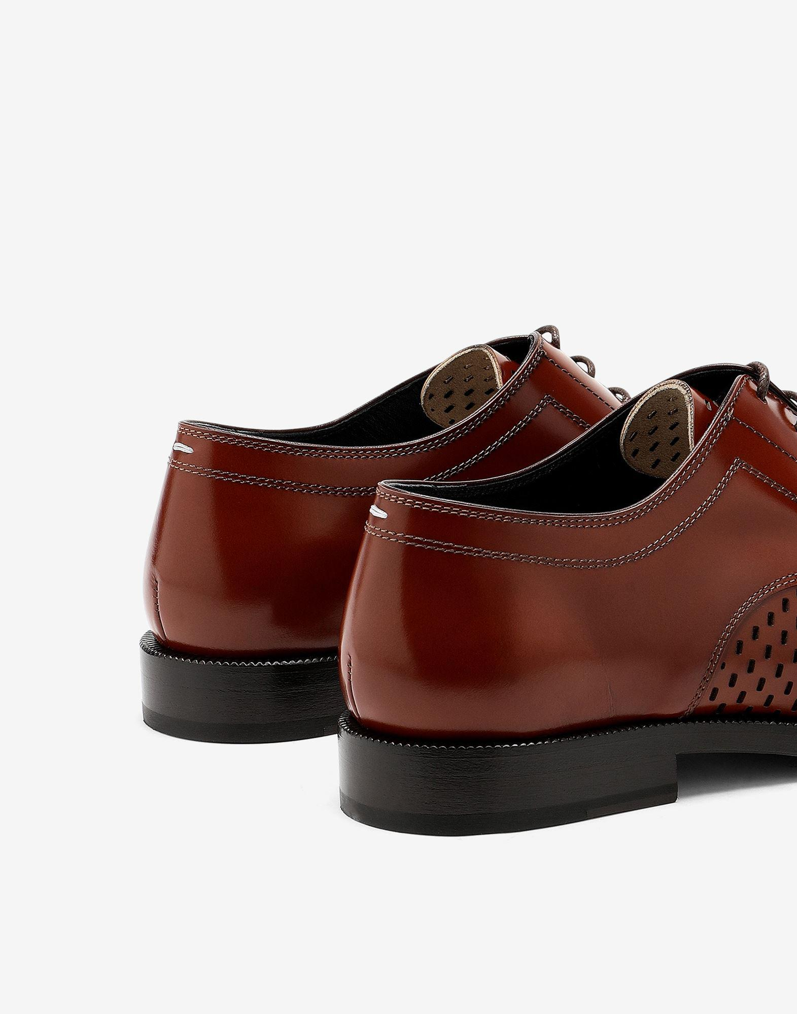 Tabi perforated lace-up shoes 3
