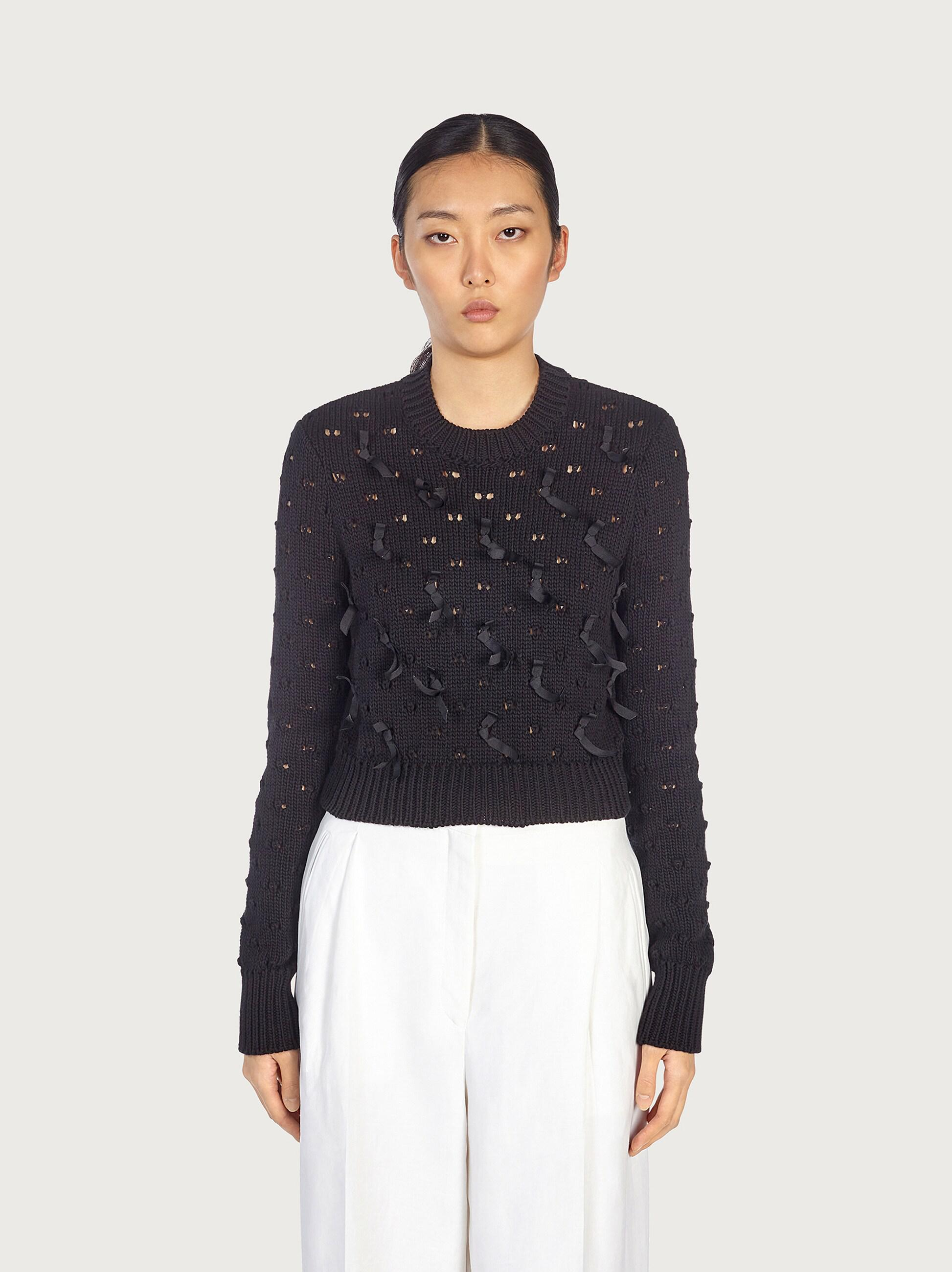 ROUND NECK CROPPED SWEATER WITH RIBBONS