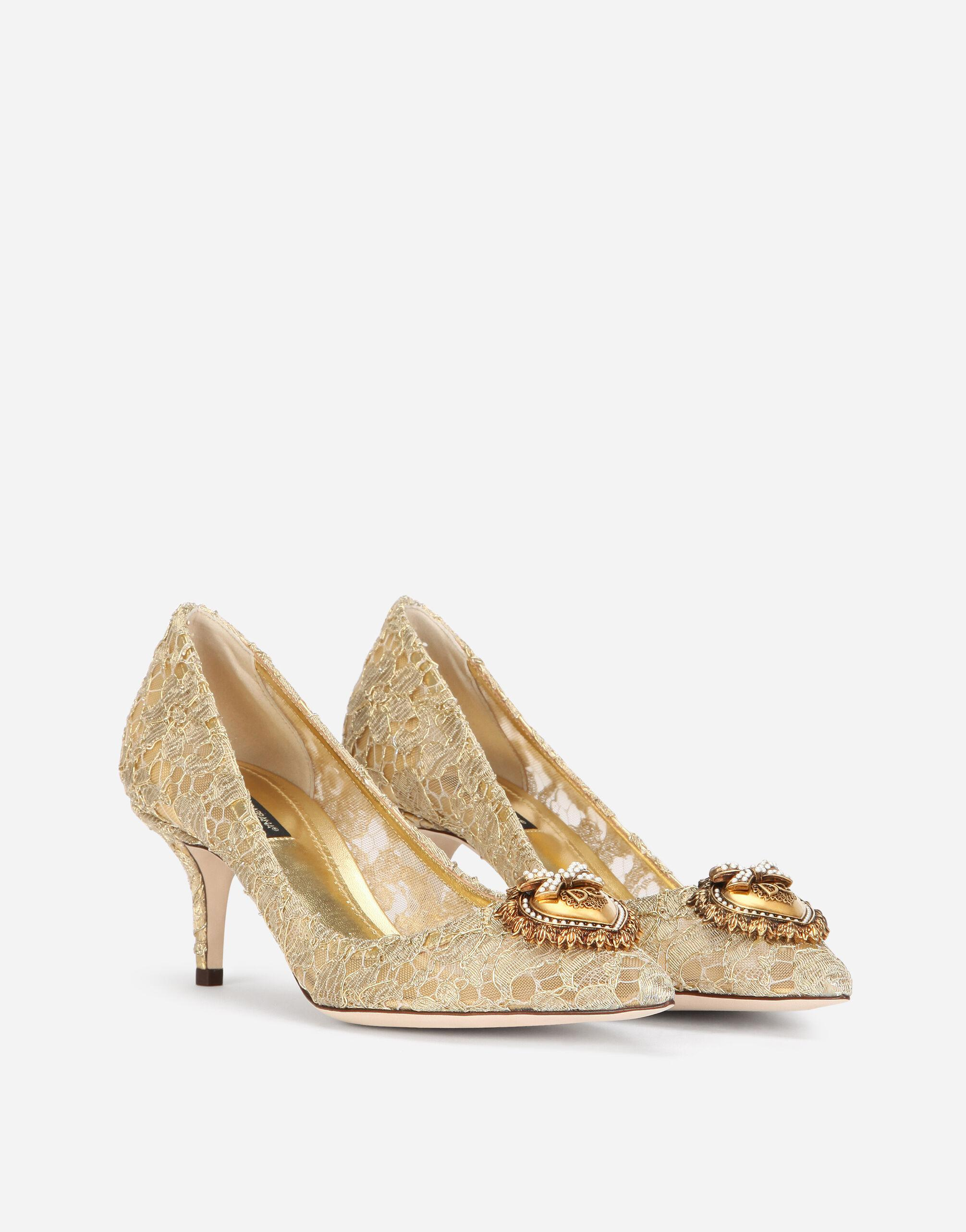 Taormina lace pumps with Devotion heart 2