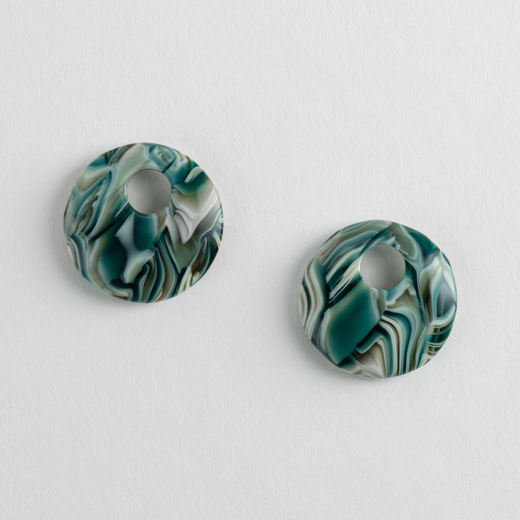 Disc Charms in Stromanthe