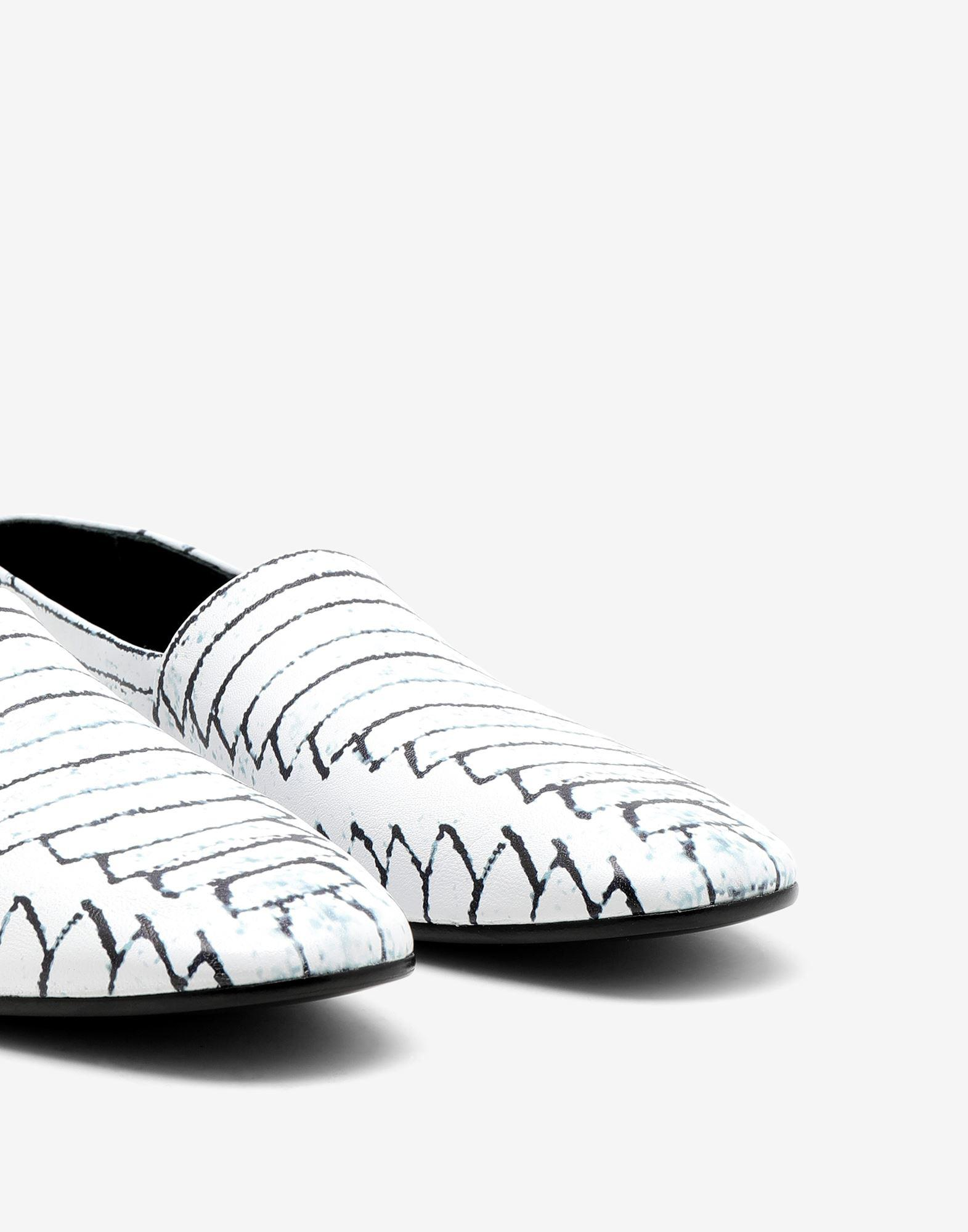 Slip-on shoes 4