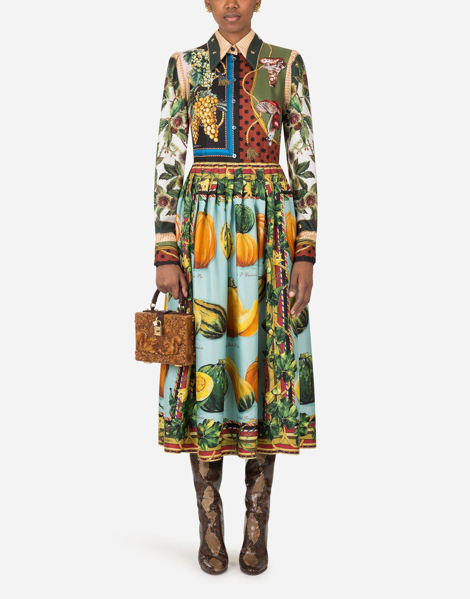 Longuette dress in twill with autumn print