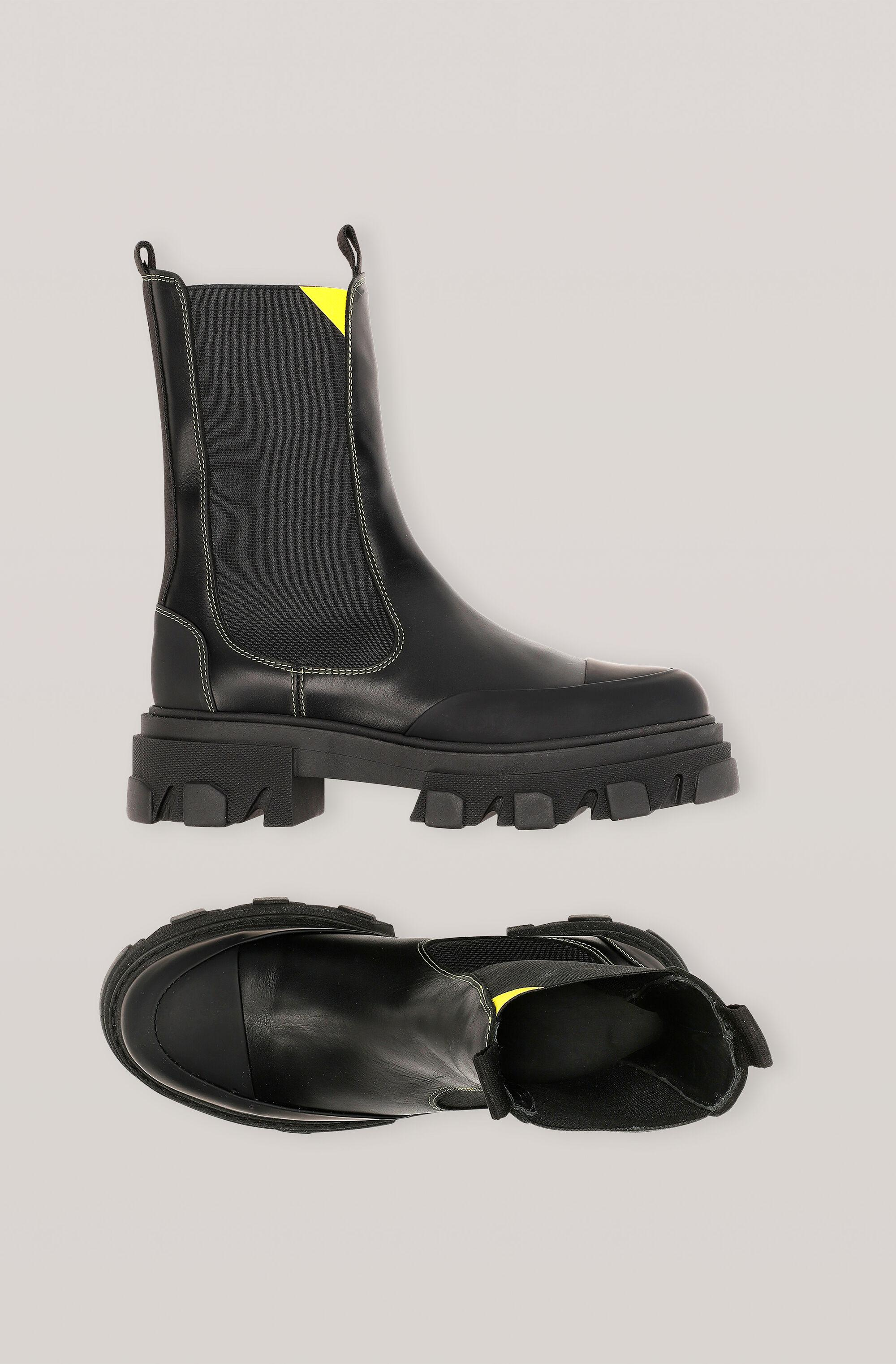 Calf Leather Mid Chelsea Boot 1