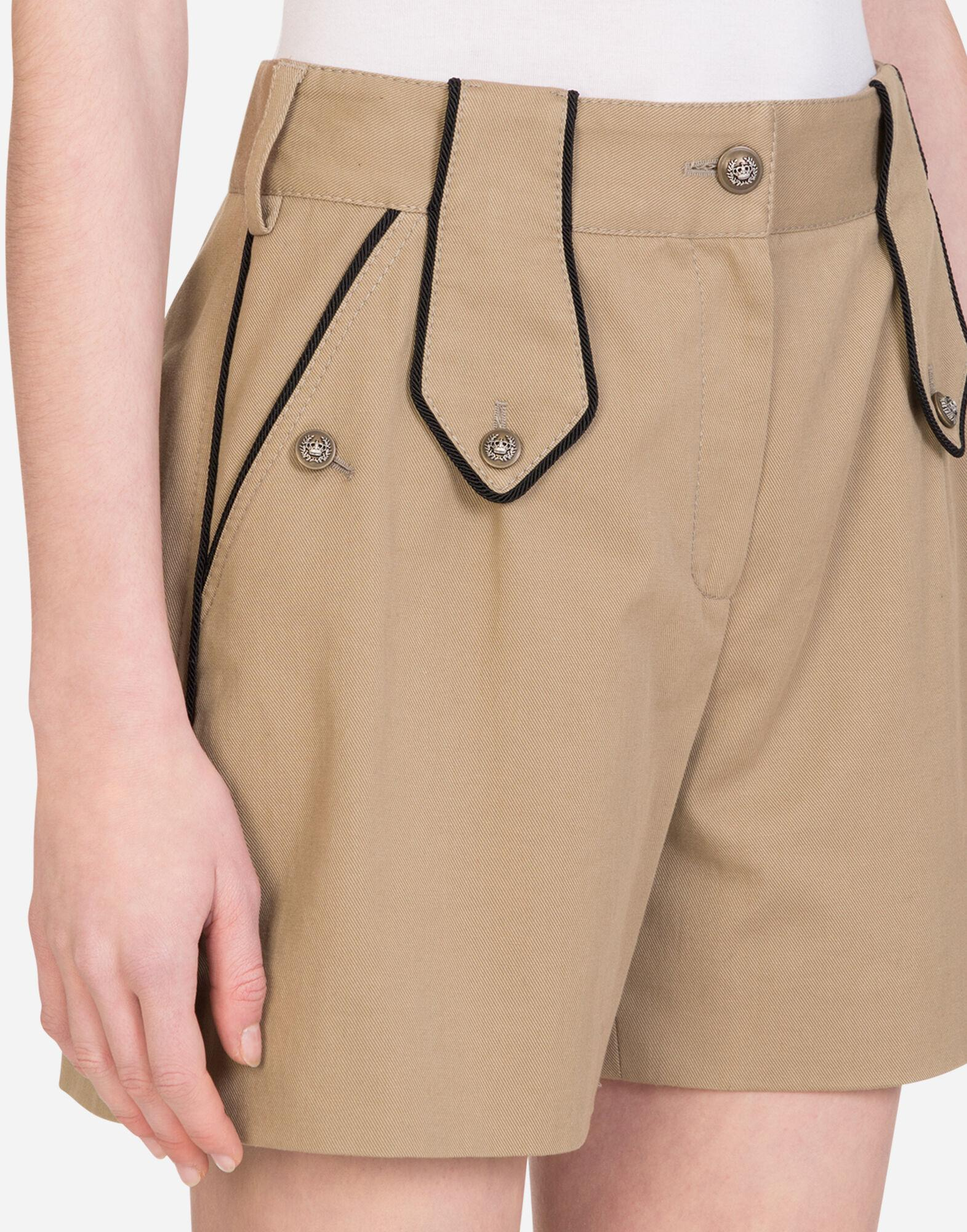 Drill shorts with military details 5