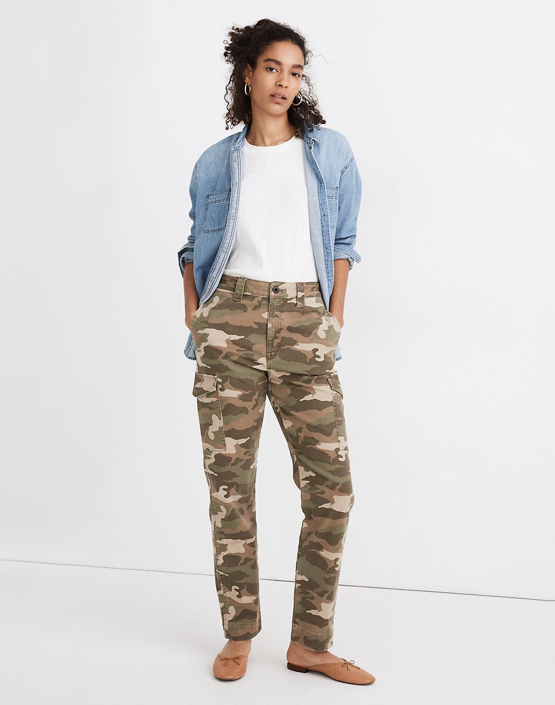 Classic Straight Cargo Pants in Camo