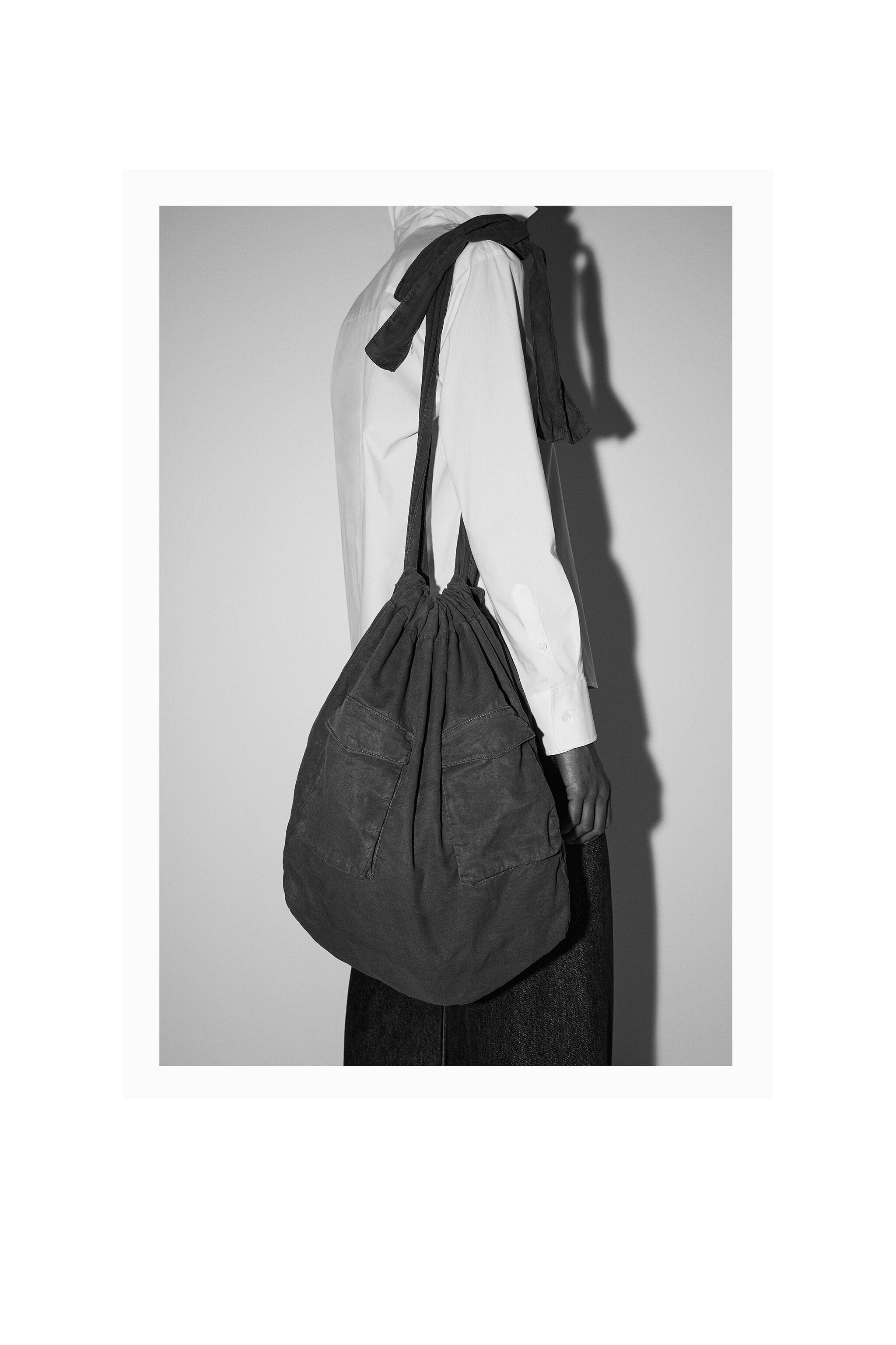 TOTE BAG WITH FRONT POCKETS 5