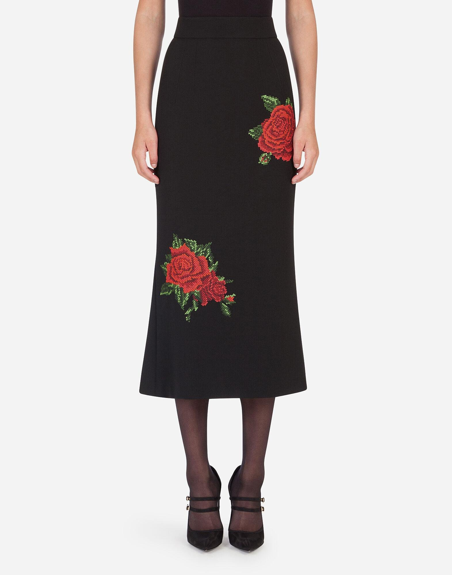 Pencil skirt with rose embroidery