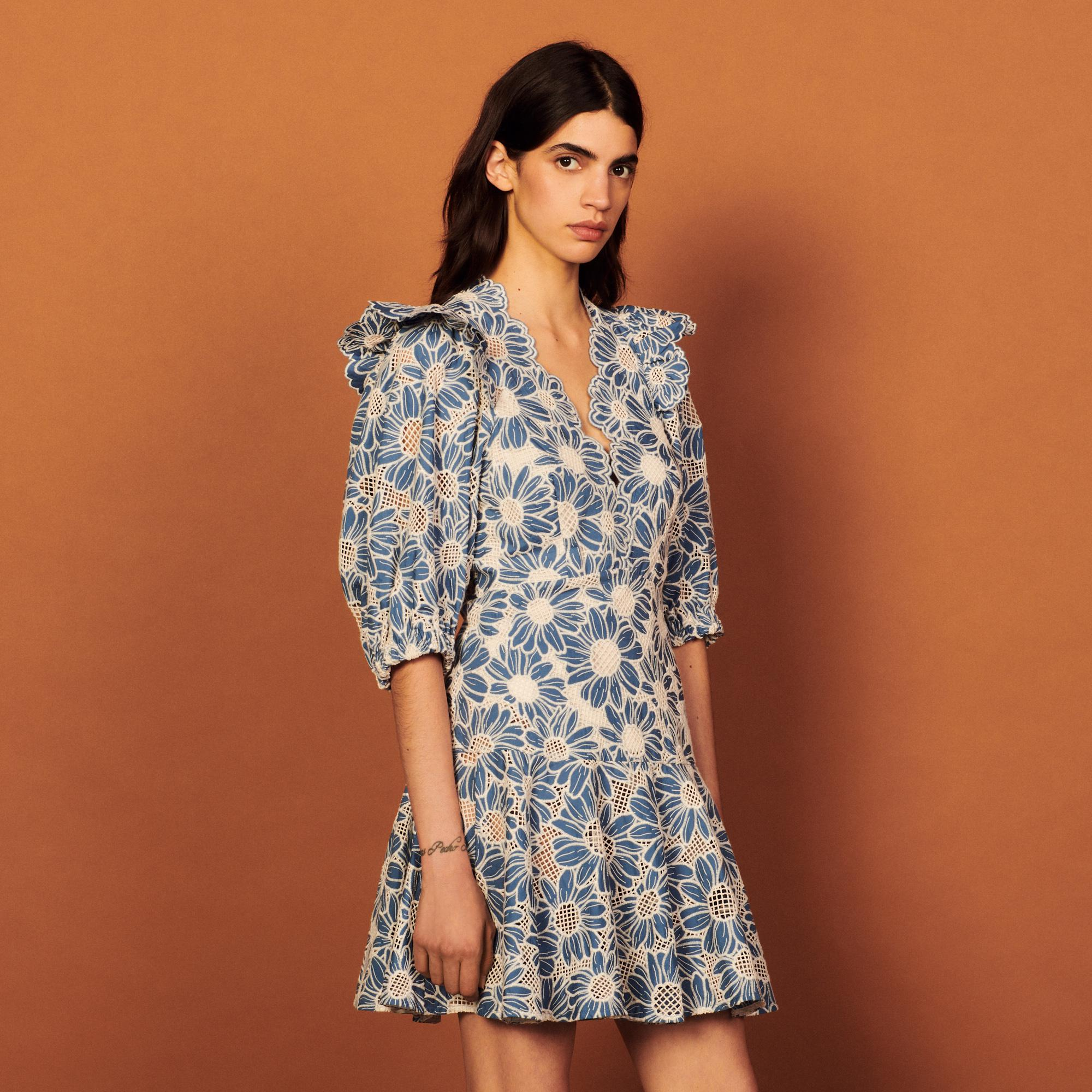 Short dress in embriodered fabric