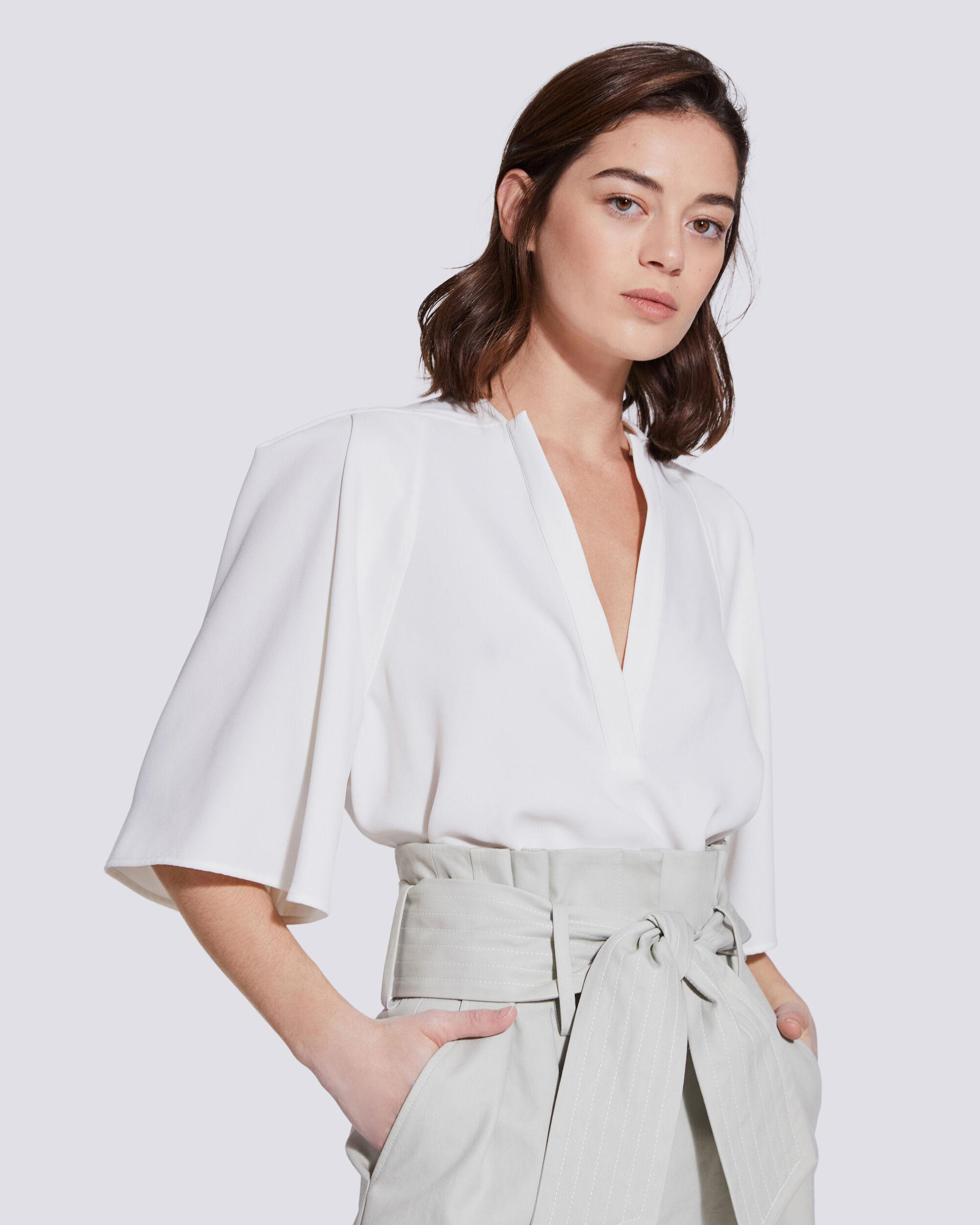 LATOD PLEATED CROPPED V NECK TOP 0