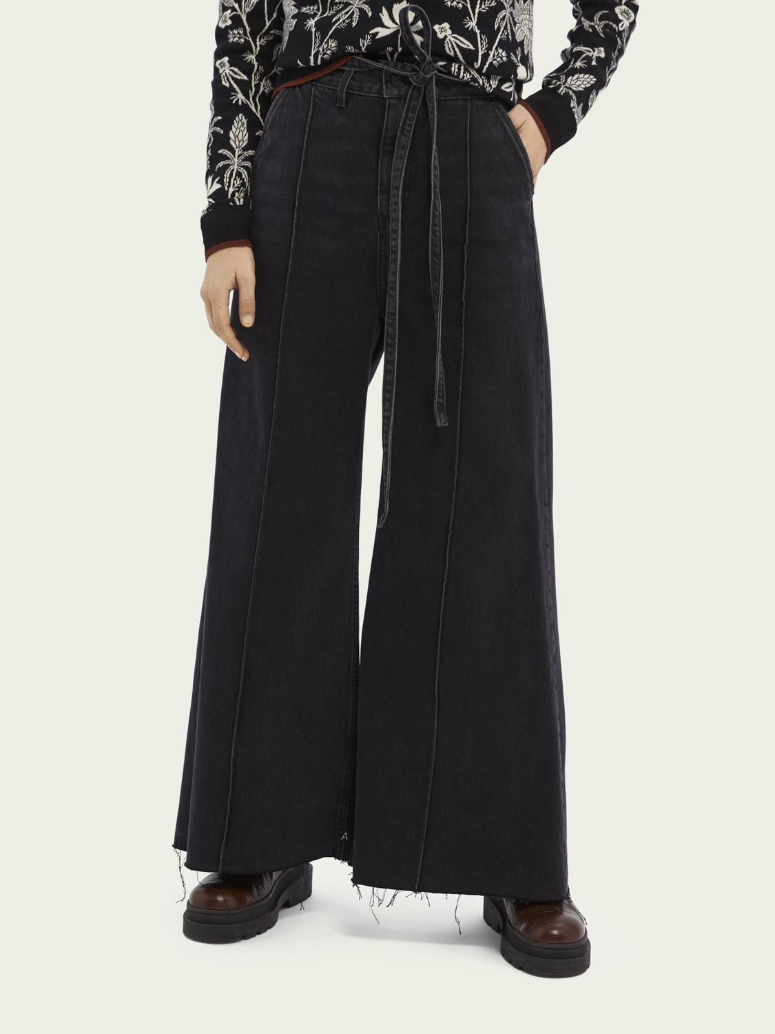 High-rise extra-wide leg jeans ─ Black Butter