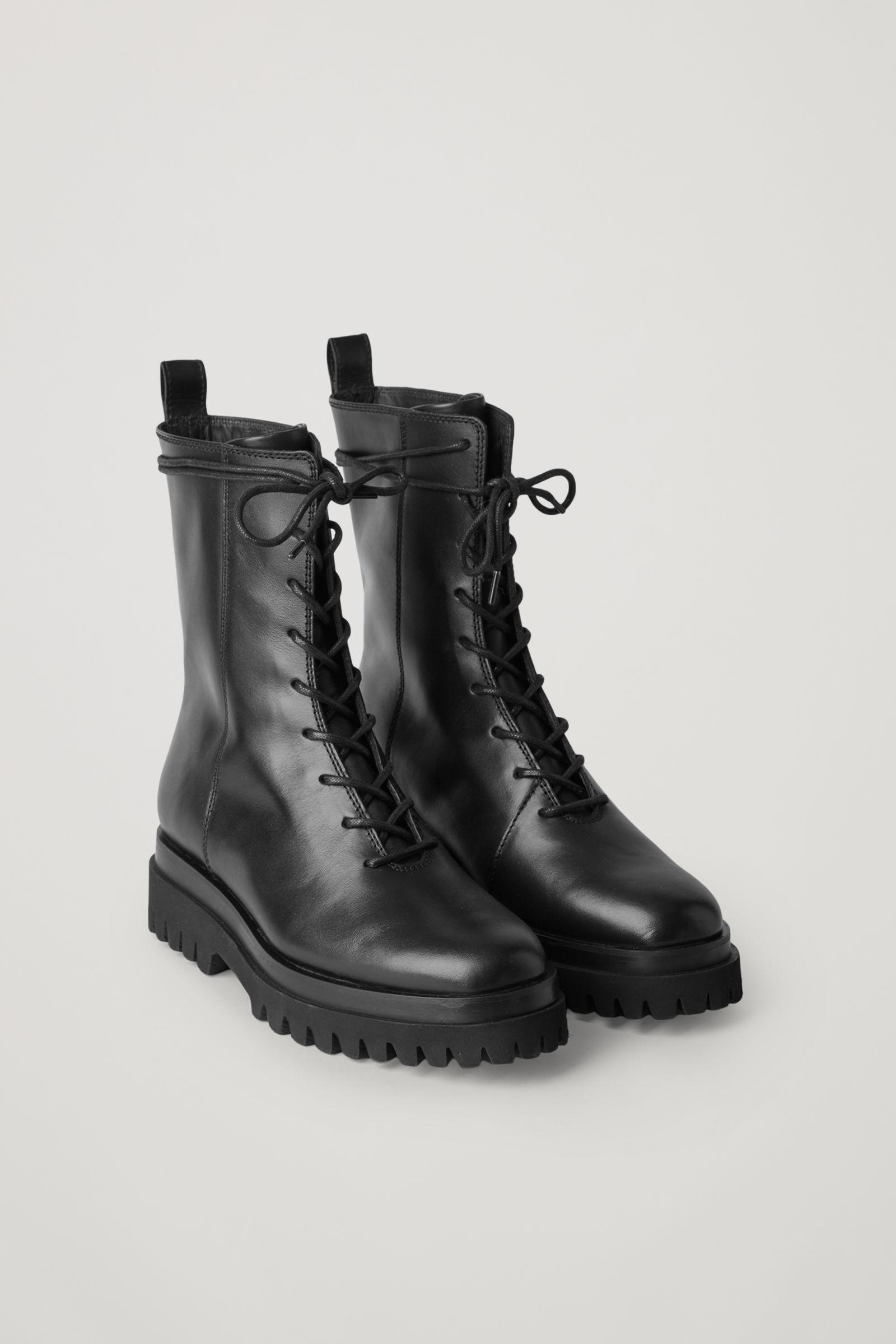LEATHER LACE-UP CHUNKY BOOTS