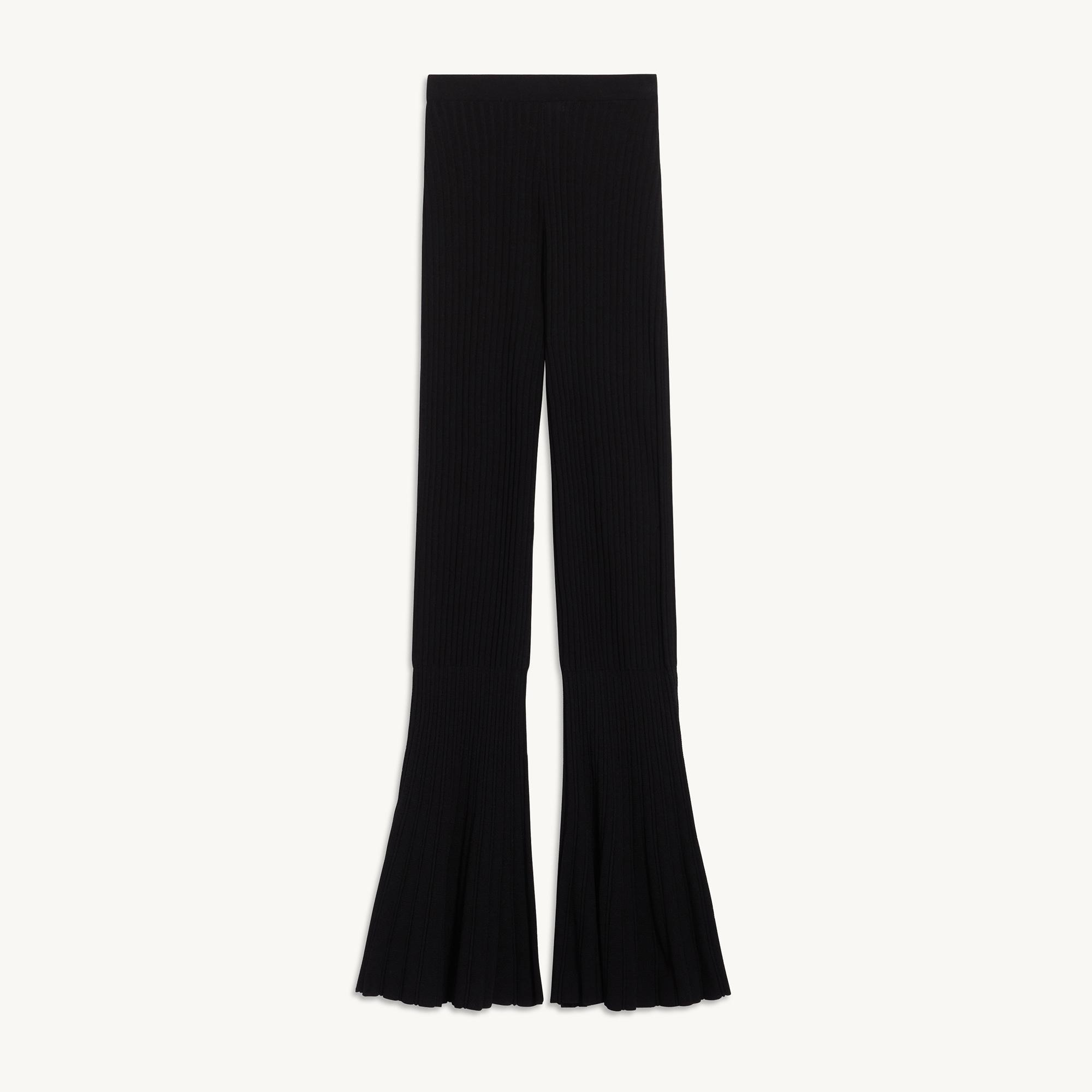 Flared knitted pants 5