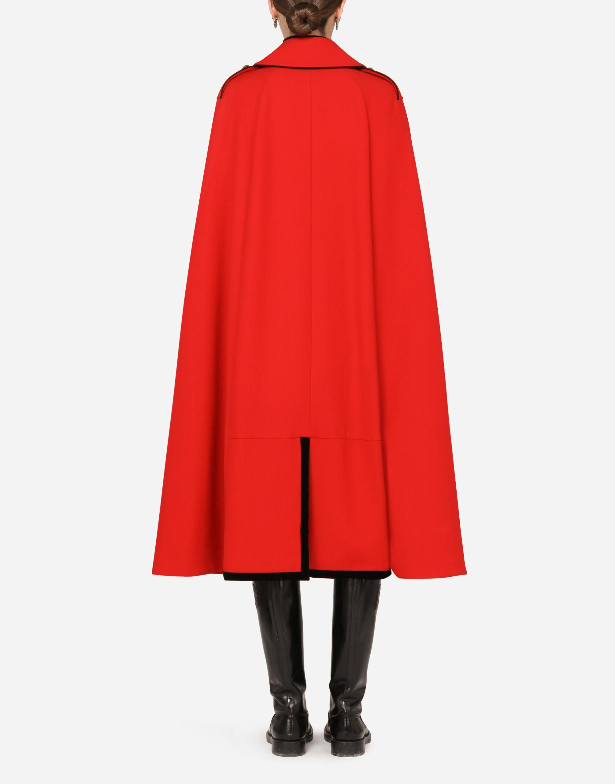 Woolen cape with piping 1