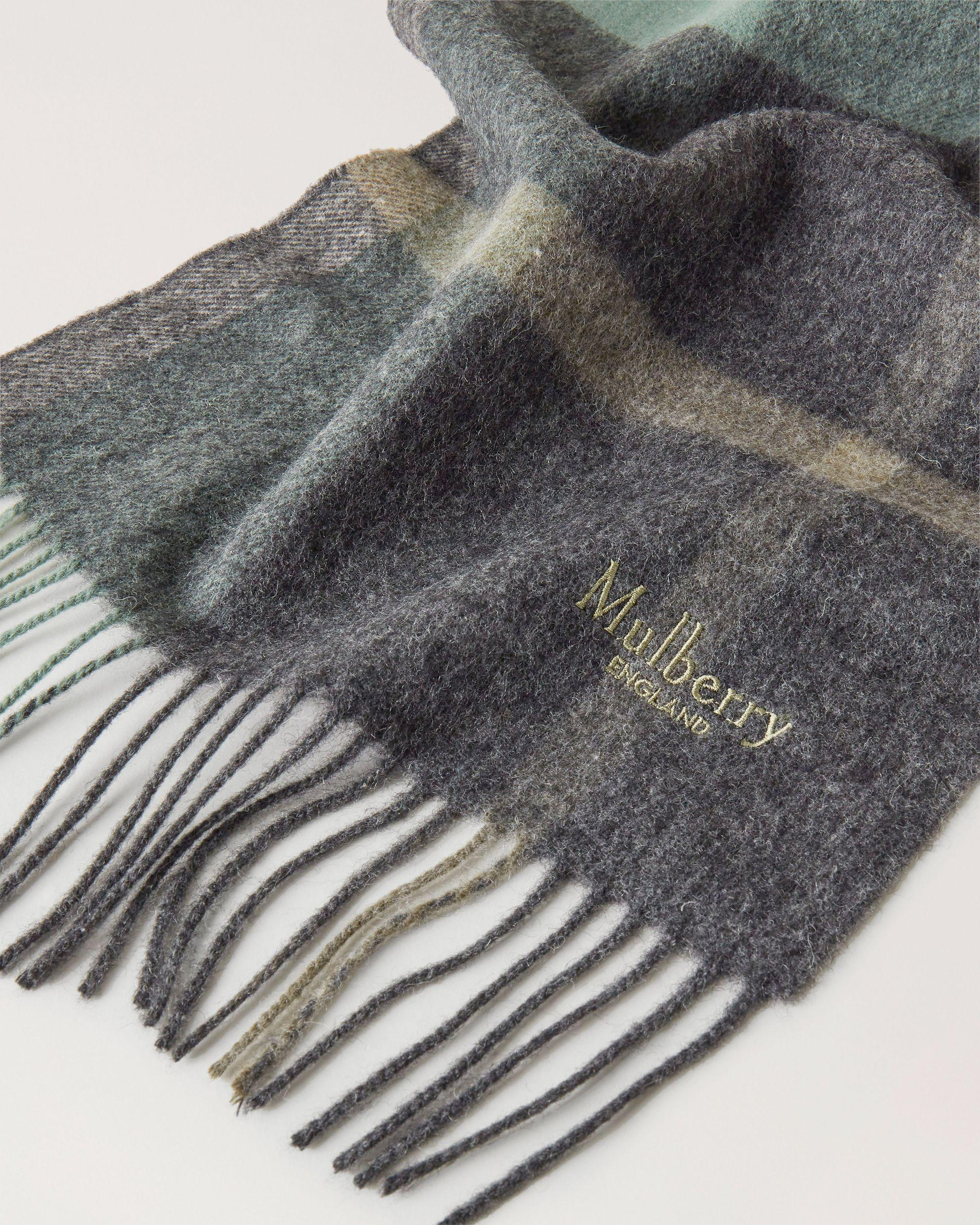 Small Check Lambswool Scarf 1
