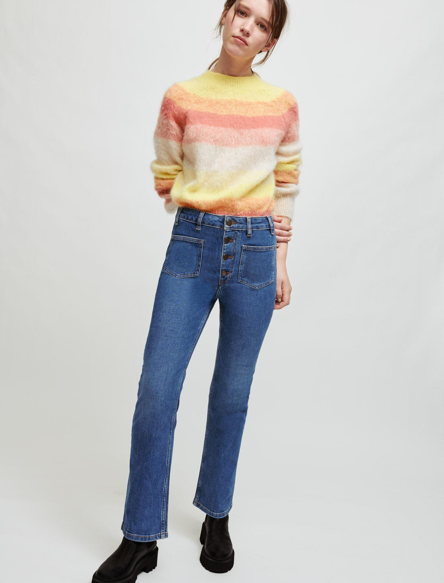 DOUBLE-POCKET JEANS WITH A SLIGHT FLARE