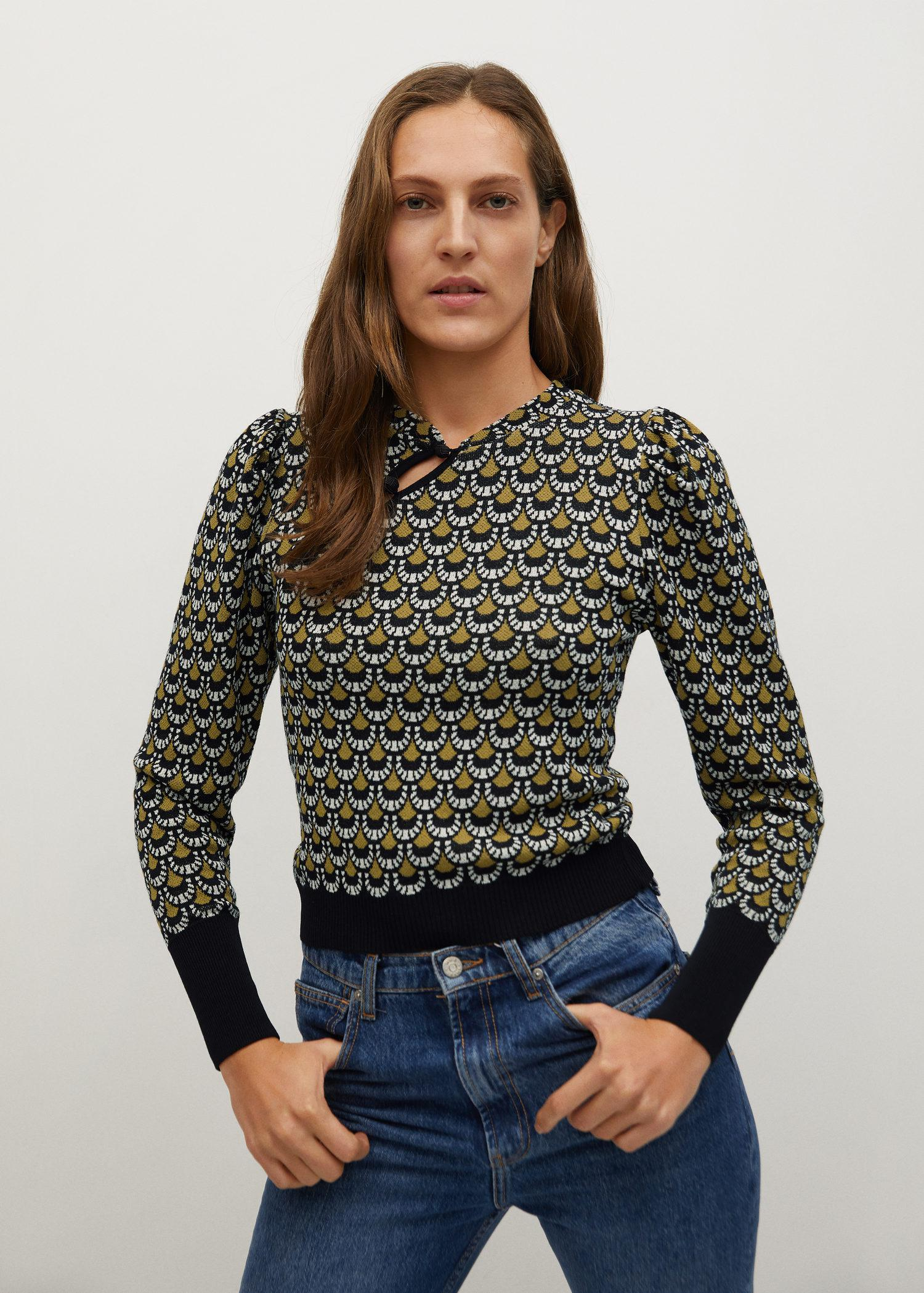 Printed sweater with opening