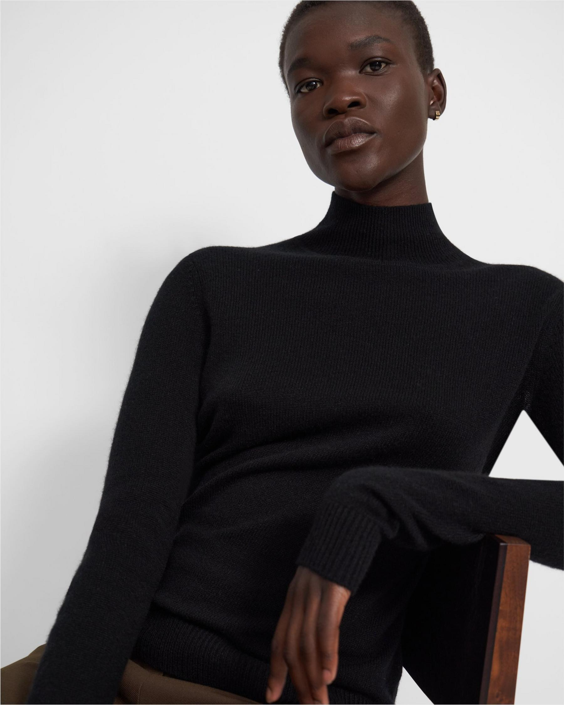 Basic Turtleneck Sweater in Feather Cashmere 1