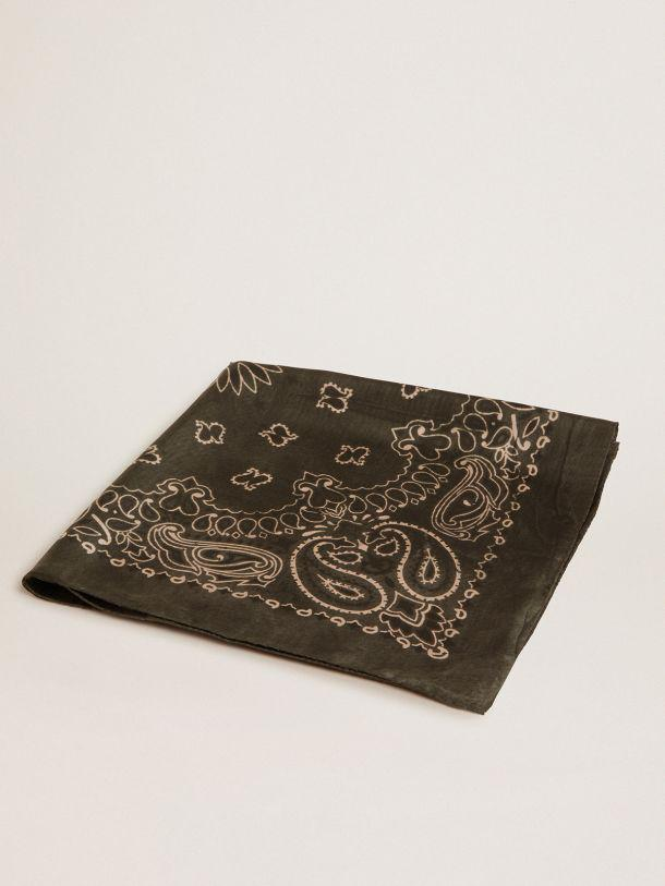 Moss-green-colored Golden Collection scarf with paisley pattern