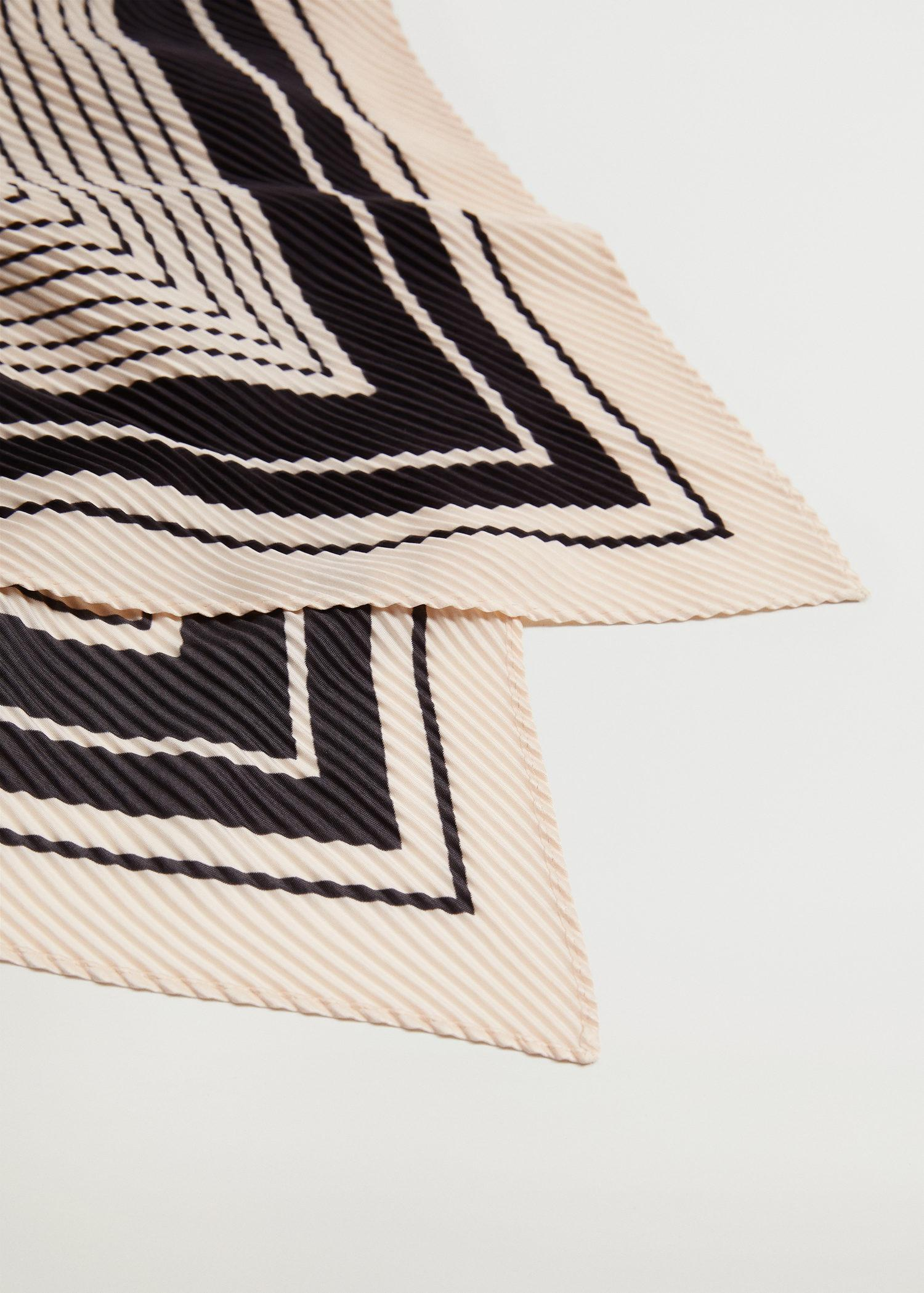 Striped printed scarf 3