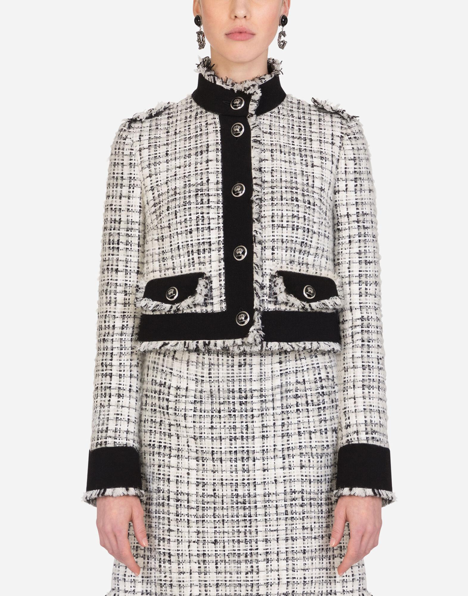 Cropped single-breasted jacket in tweed with decorative buttons