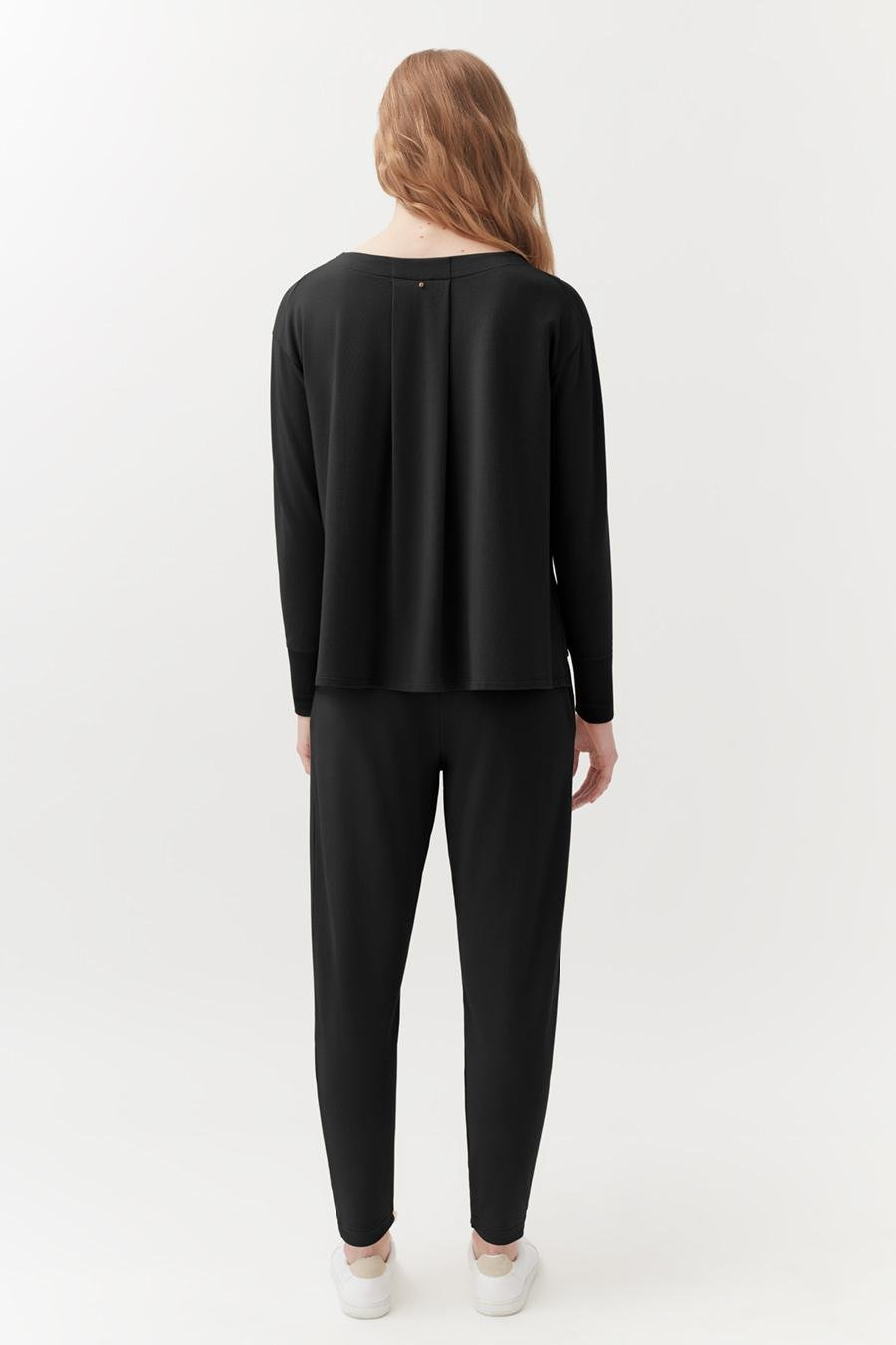 Women's French Terry Pleated Front Pant in Black   Size: 2