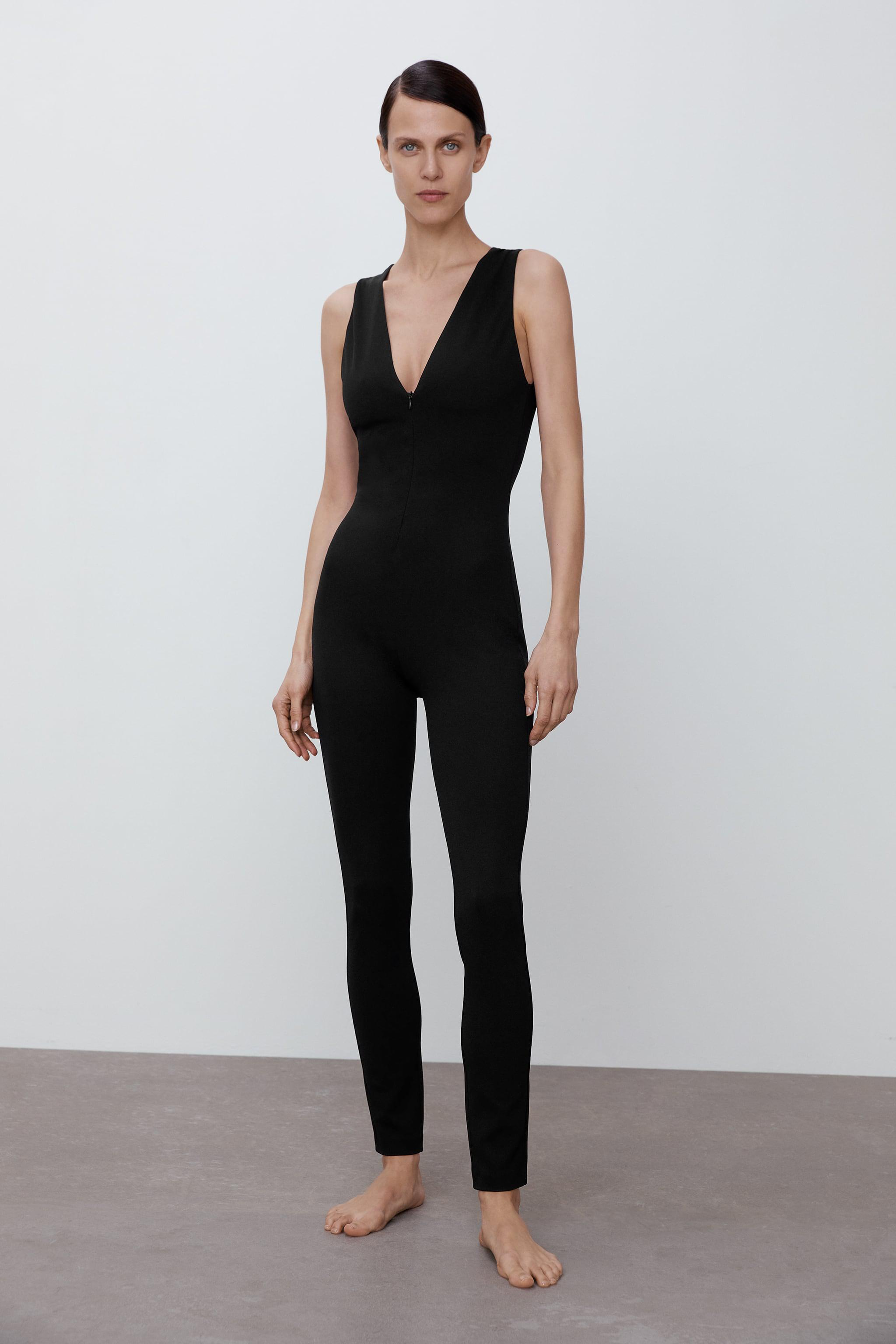 LONG FITTED JUMPSUIT