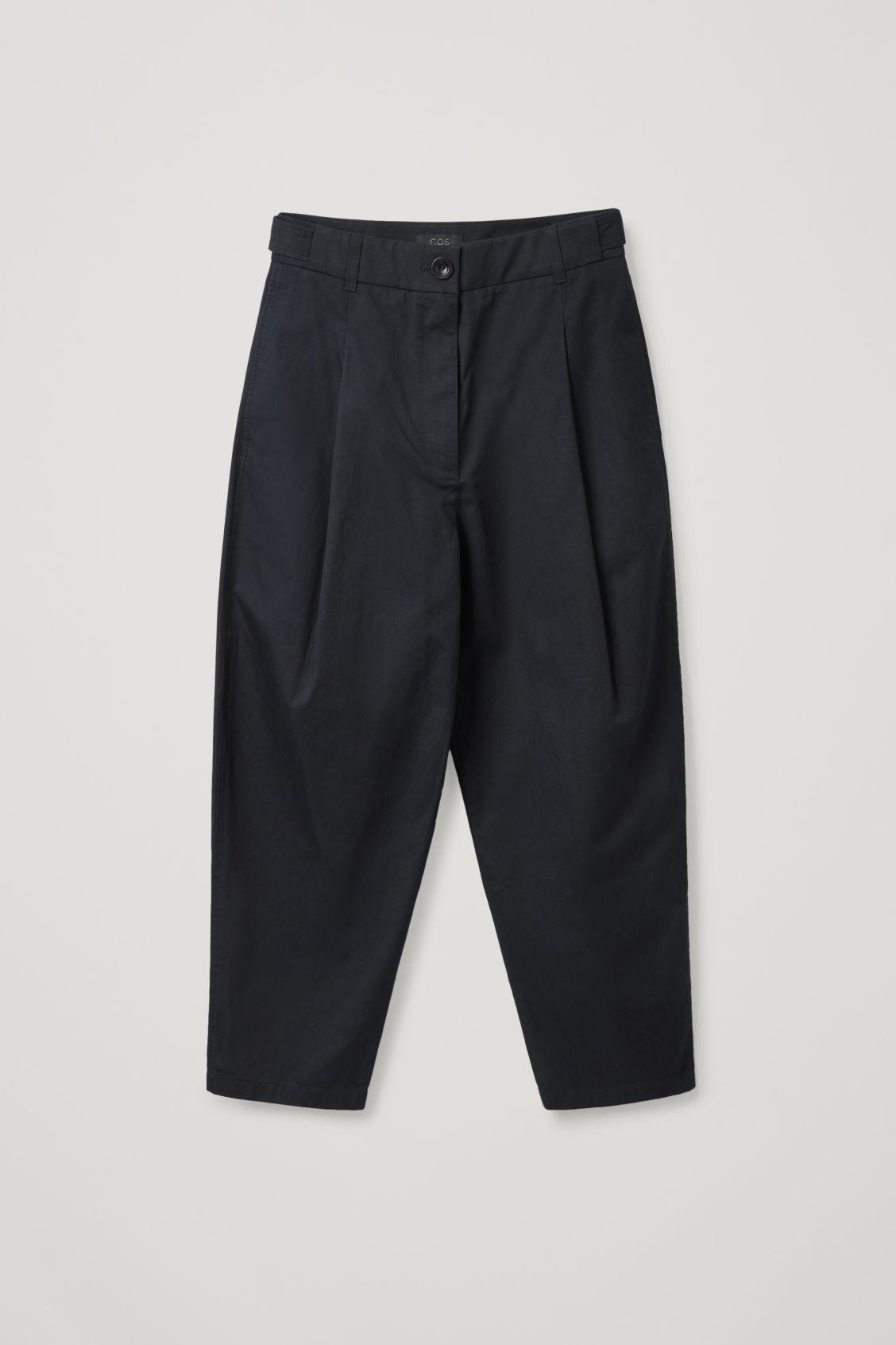 PLEATED TAPERED PANTS 5