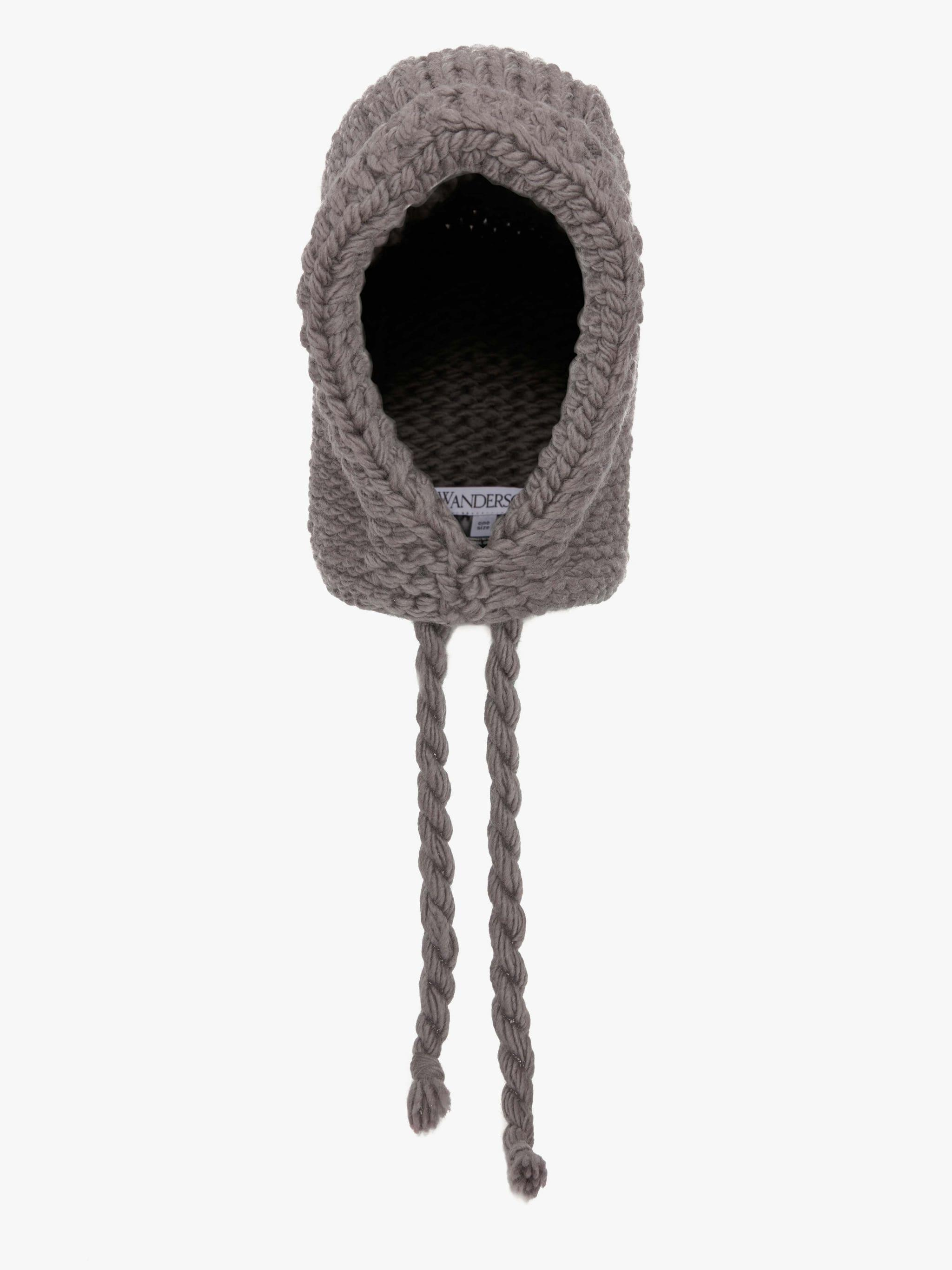 KNITTED HOOD