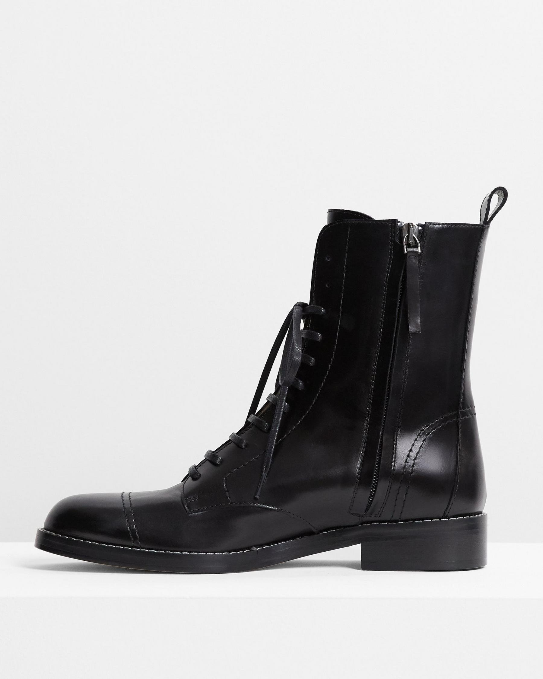 Laced Boot in Satin Leather 2