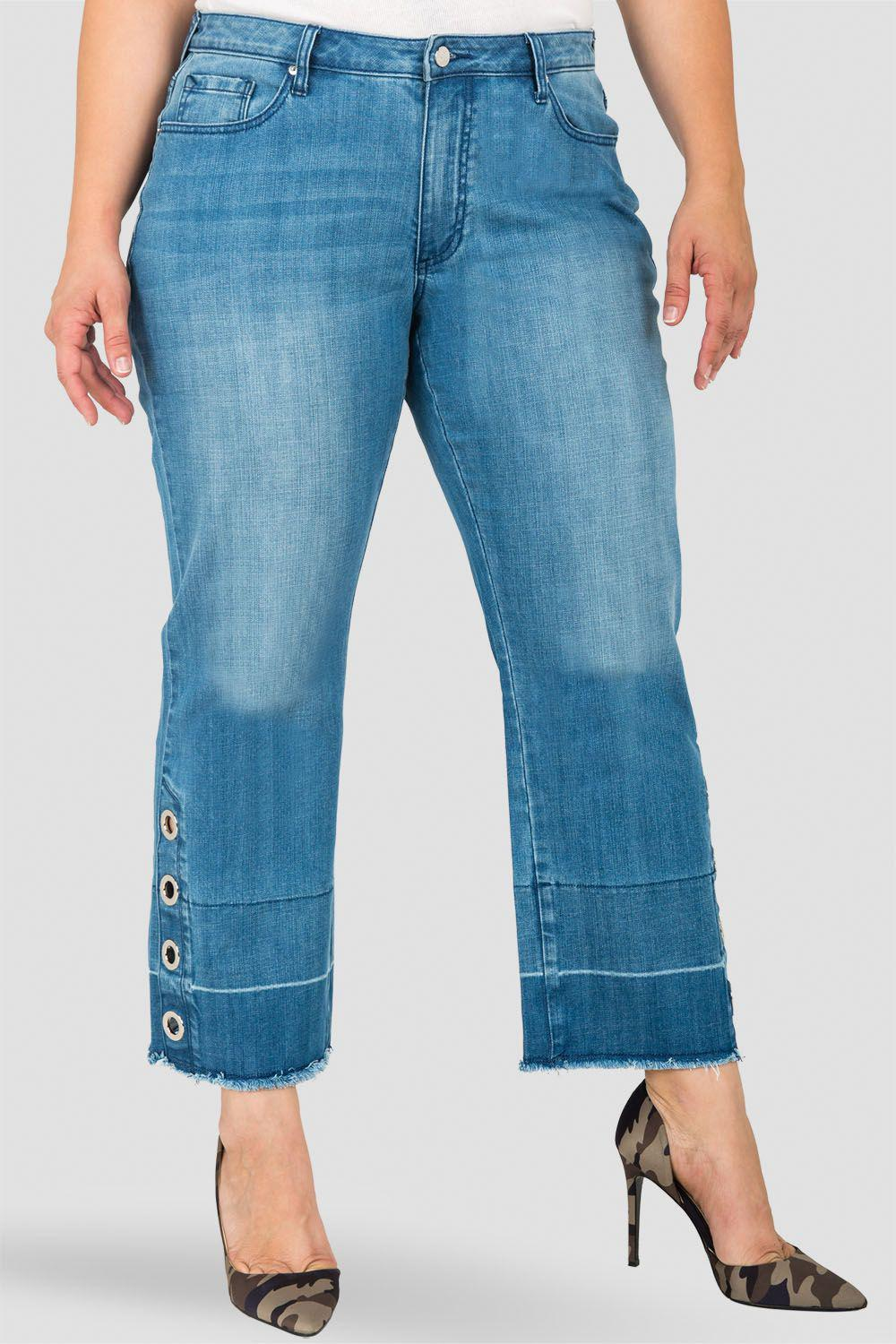 Plus Size Meryl High-Rise Light Wash Cropped Jeans with Silver Grommets & Wide Released Hem