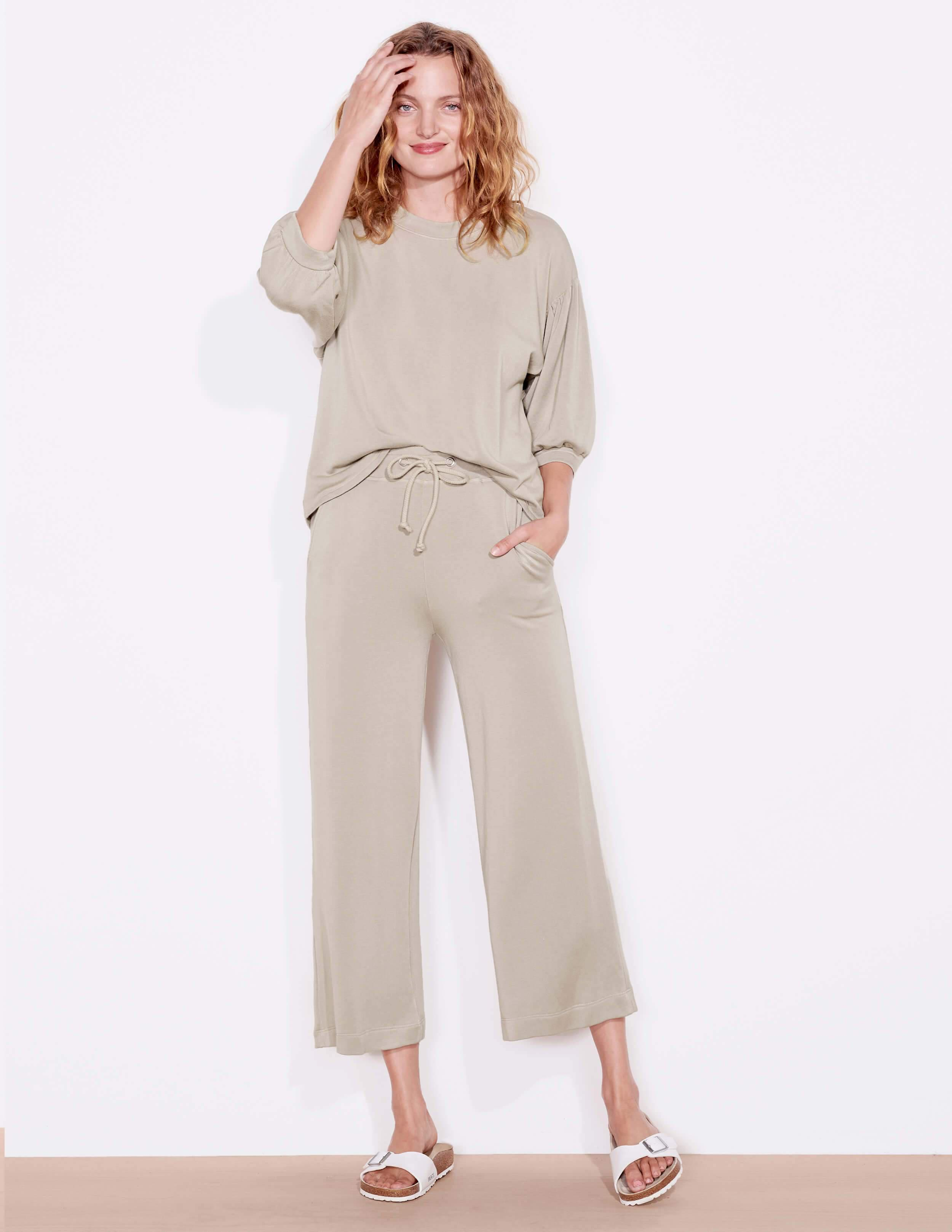 Cropped Flare Sweatpant 3
