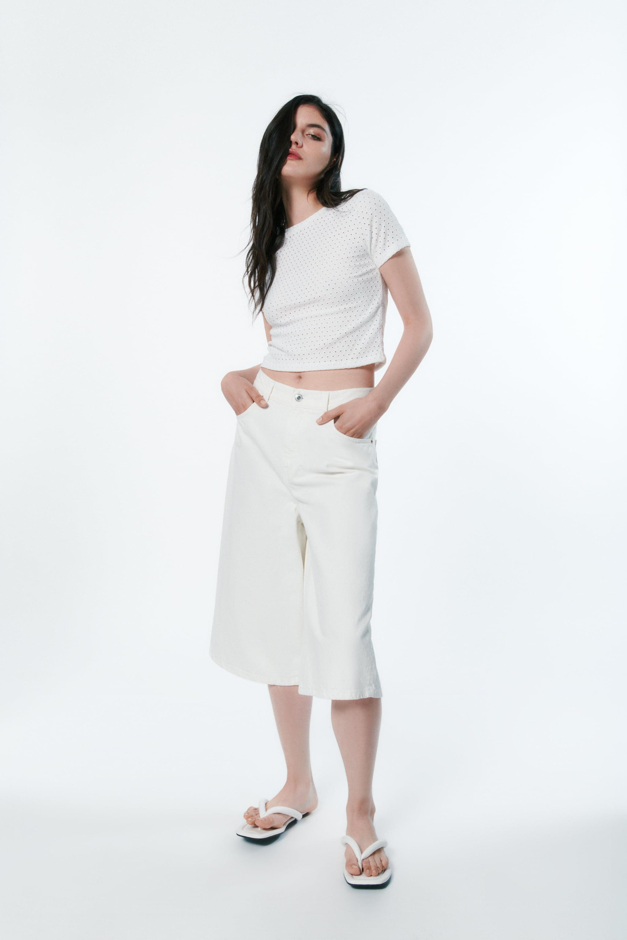 EMBROIDERED PERFORATED T-SHIRT
