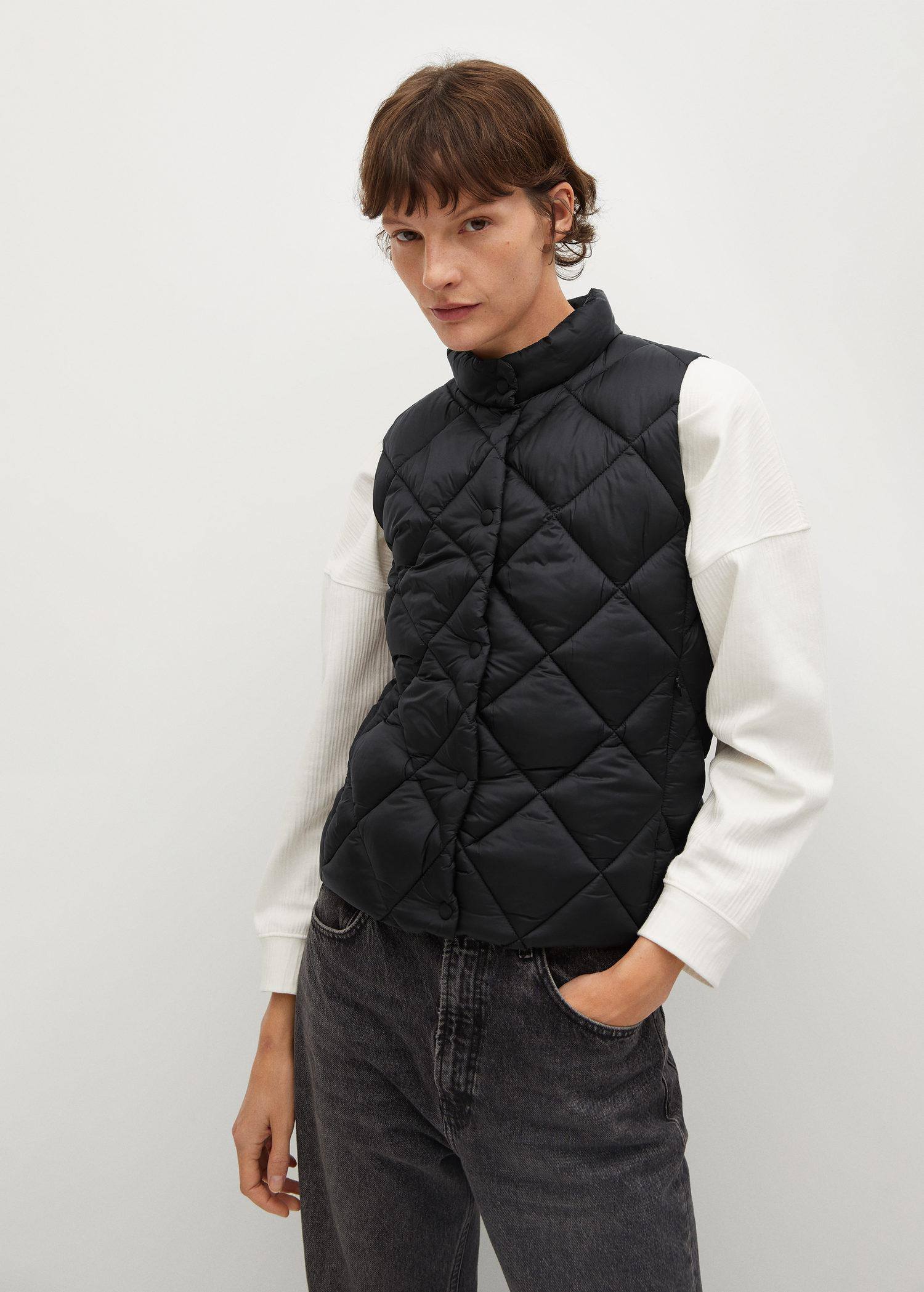 Buttoned quilted vest