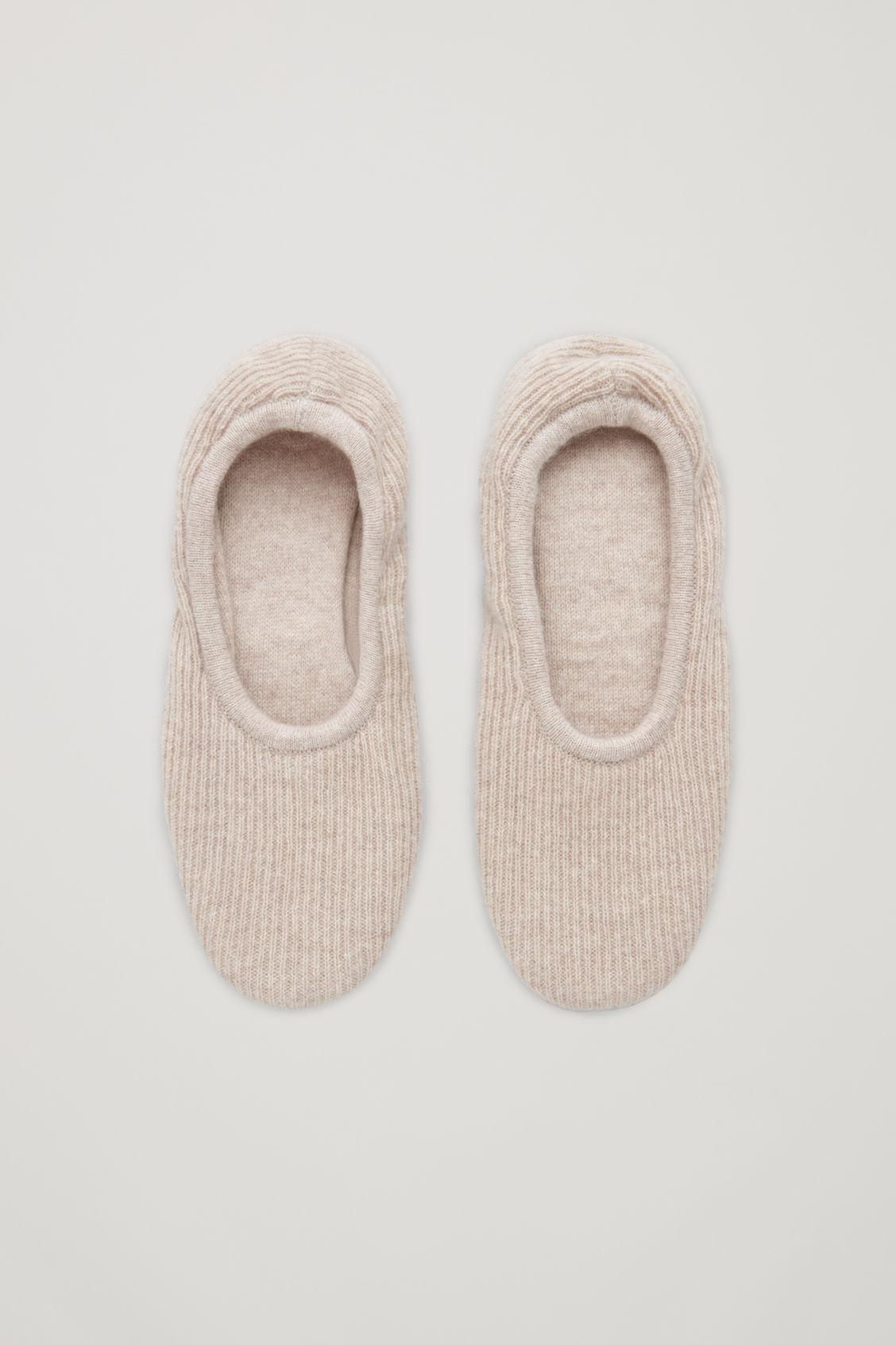RIBBED CASHMERE SLIPPERS