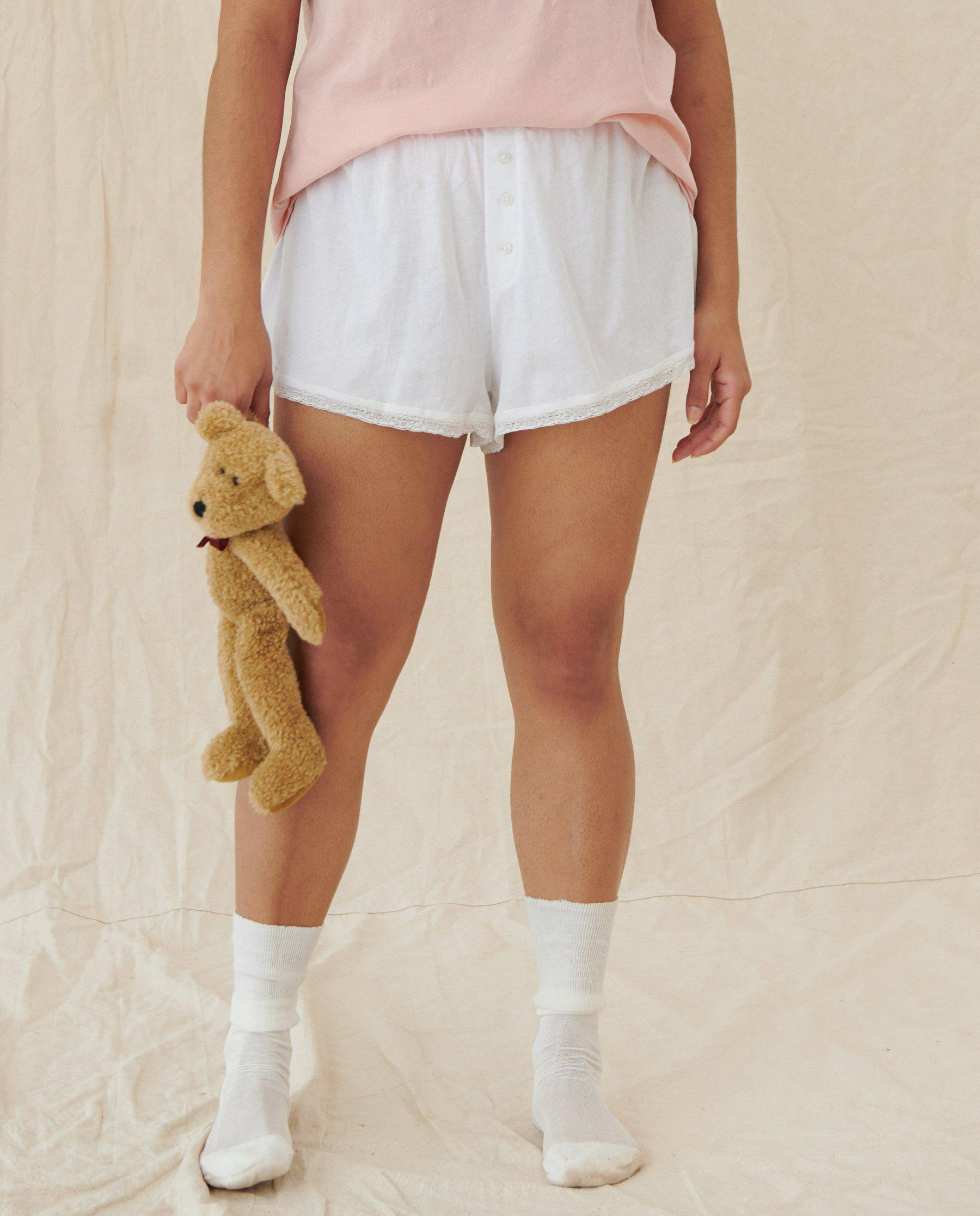 The Lace Tap Short. -- TRUE WHITE 3