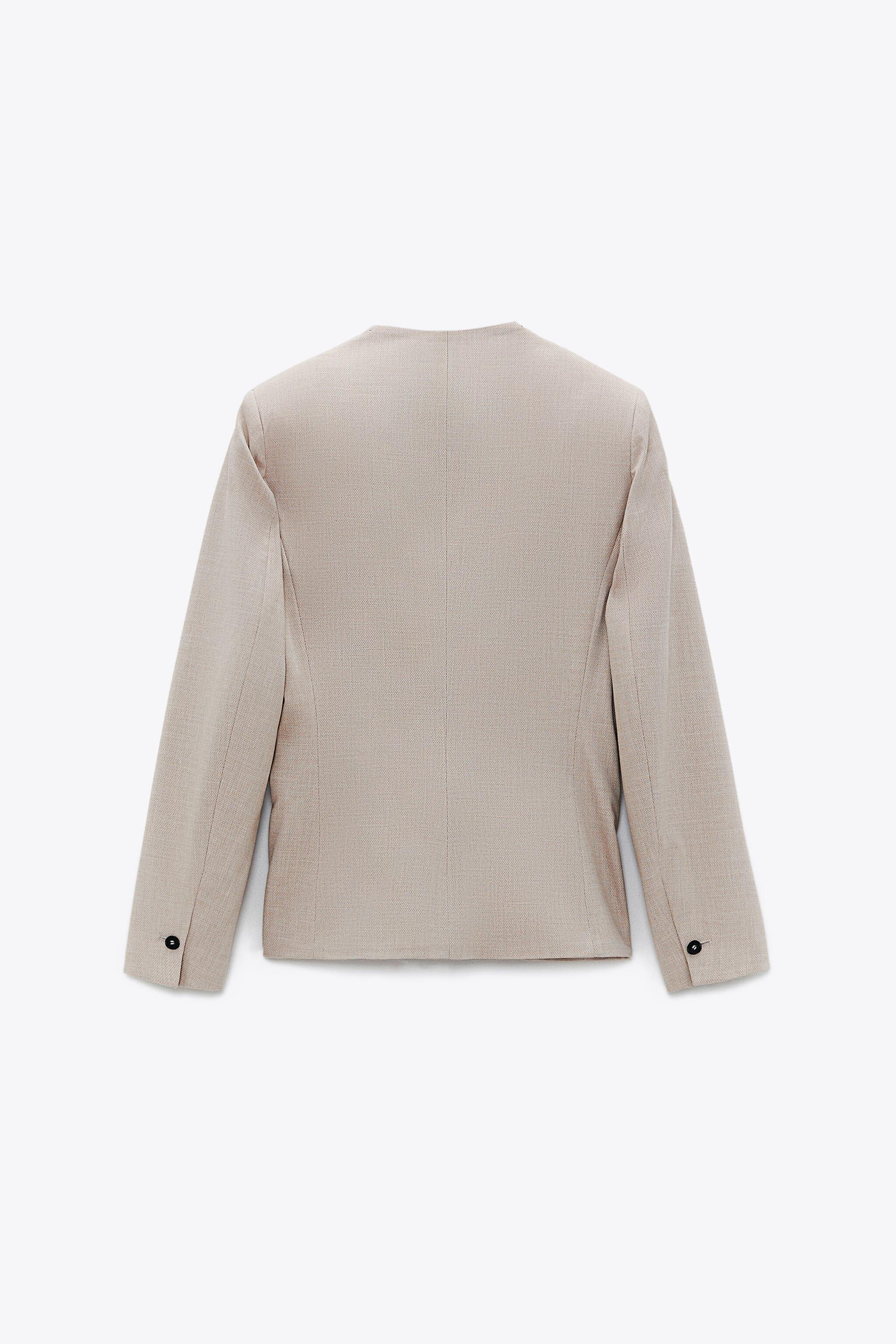 LAPELLESS FITTED BLAZER 3