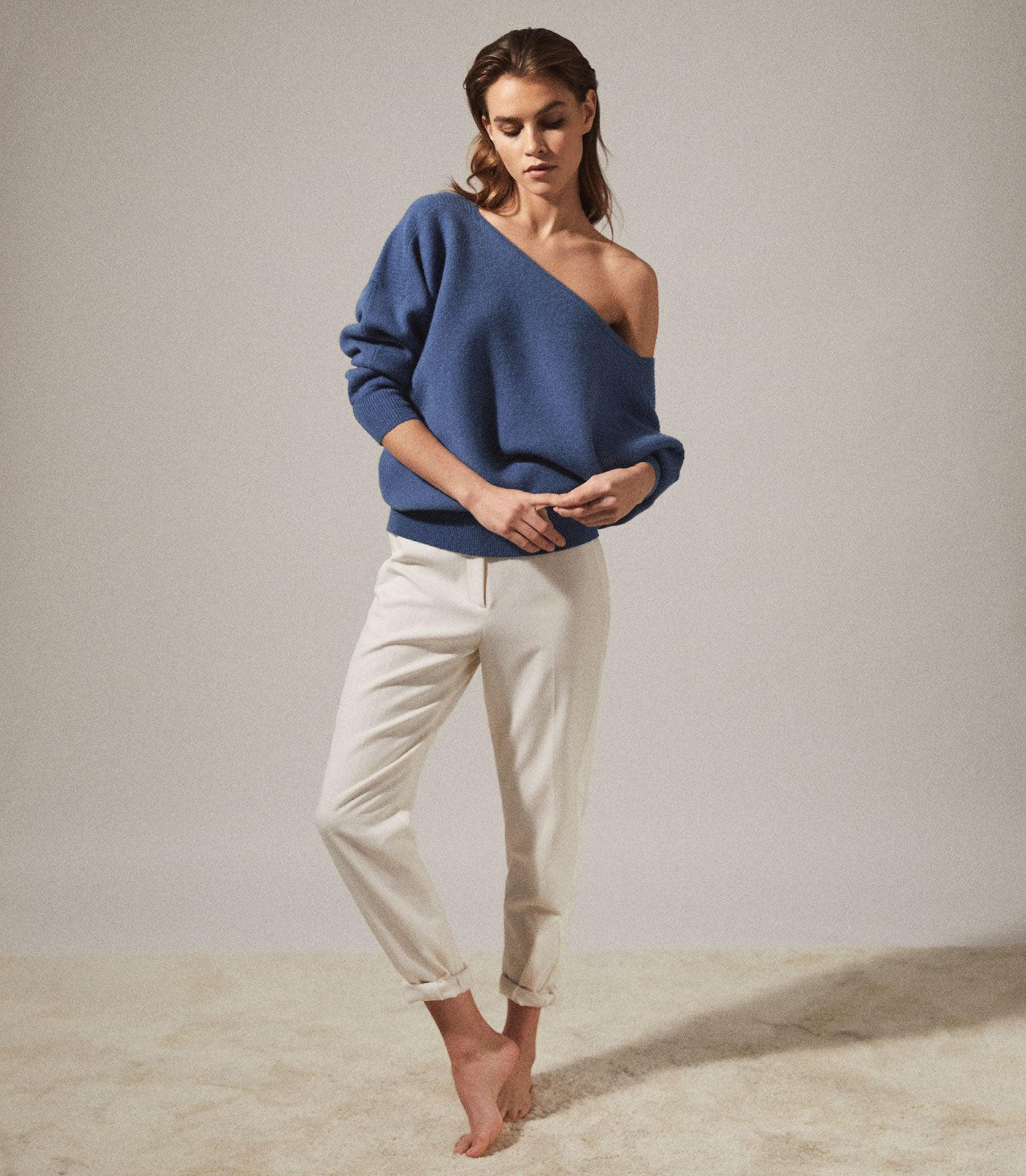 AMY - ASYMMETRIC KNITTED TOP
