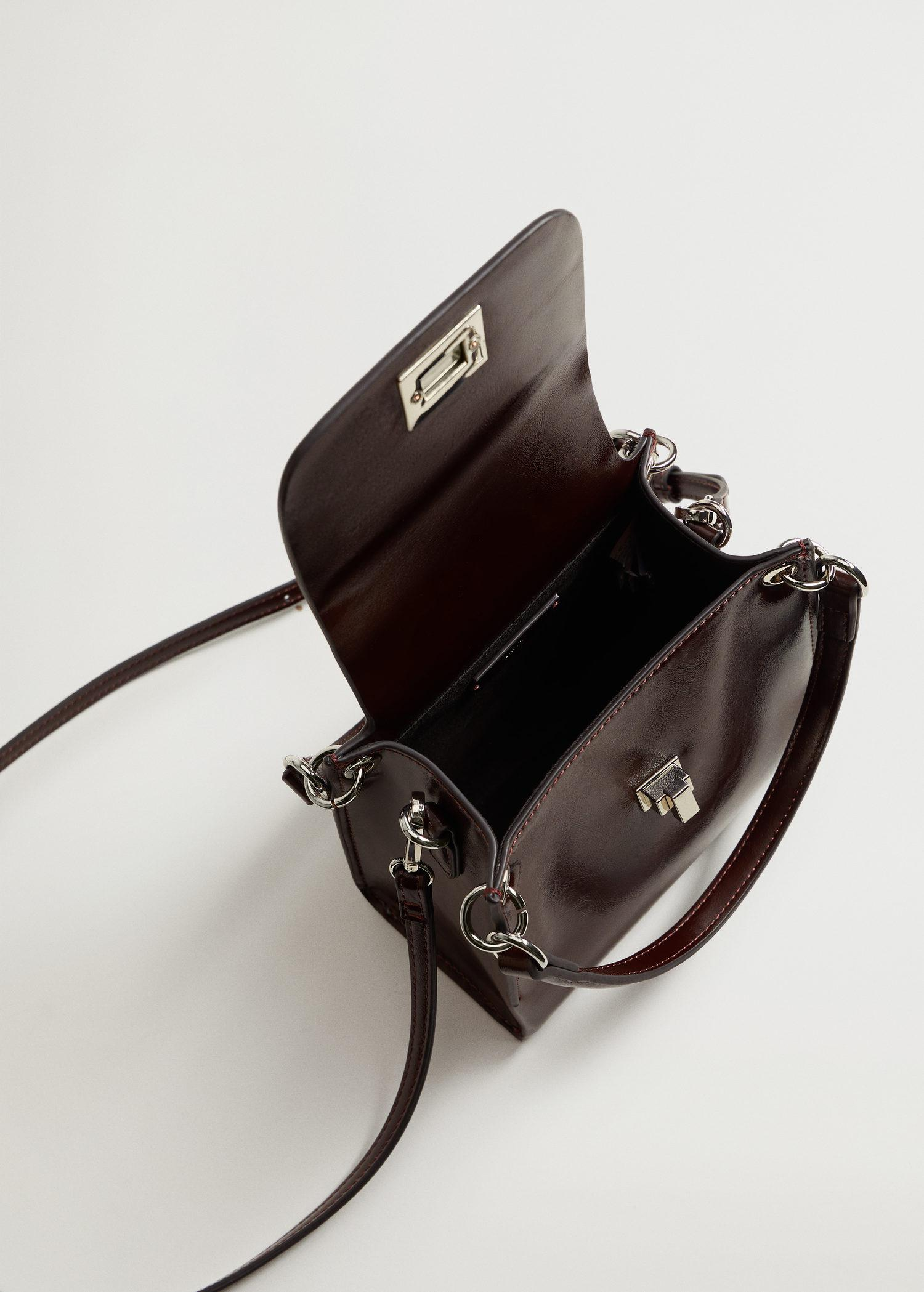 Double strap bag with flap 2