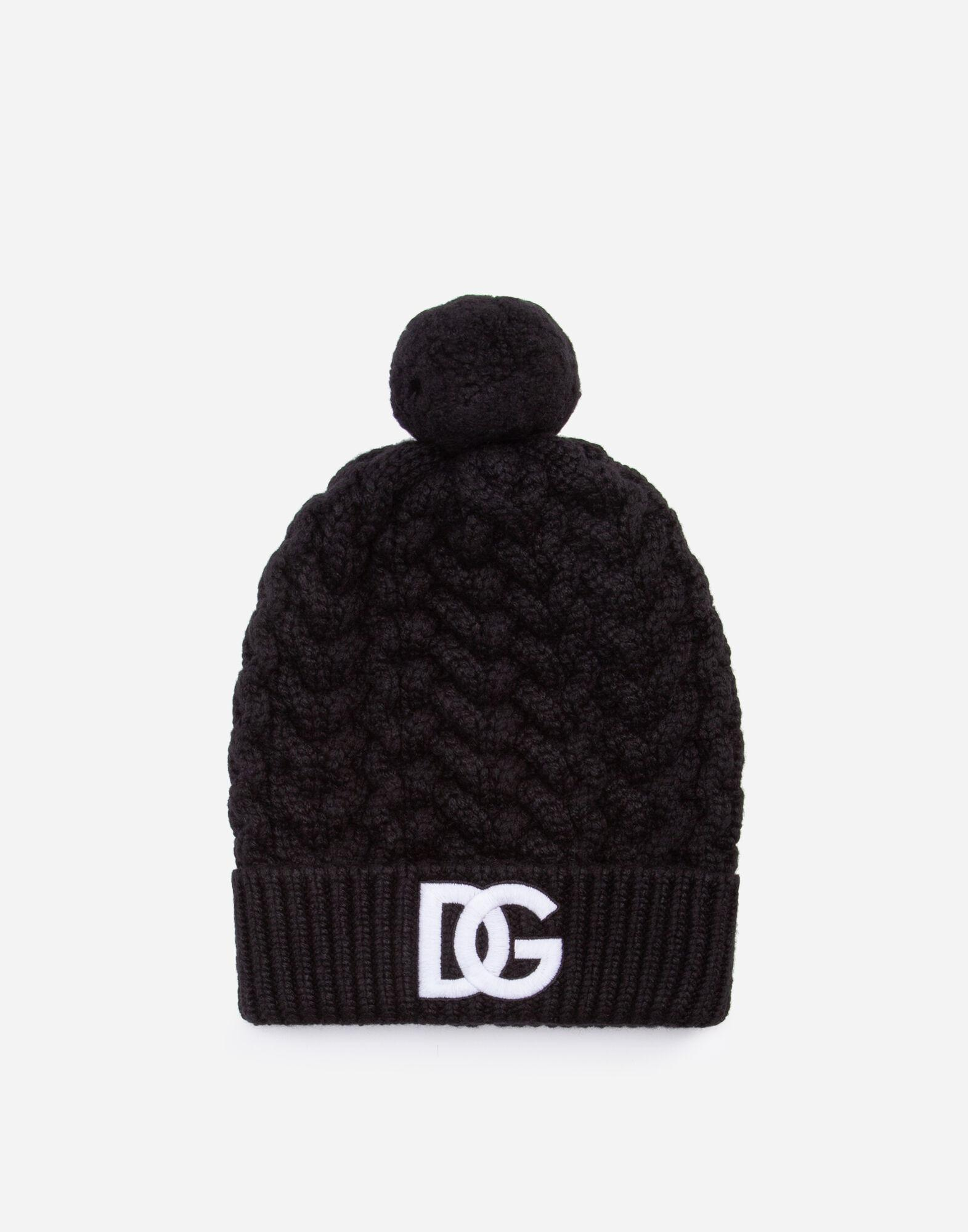 Wool hat with logo embroidery