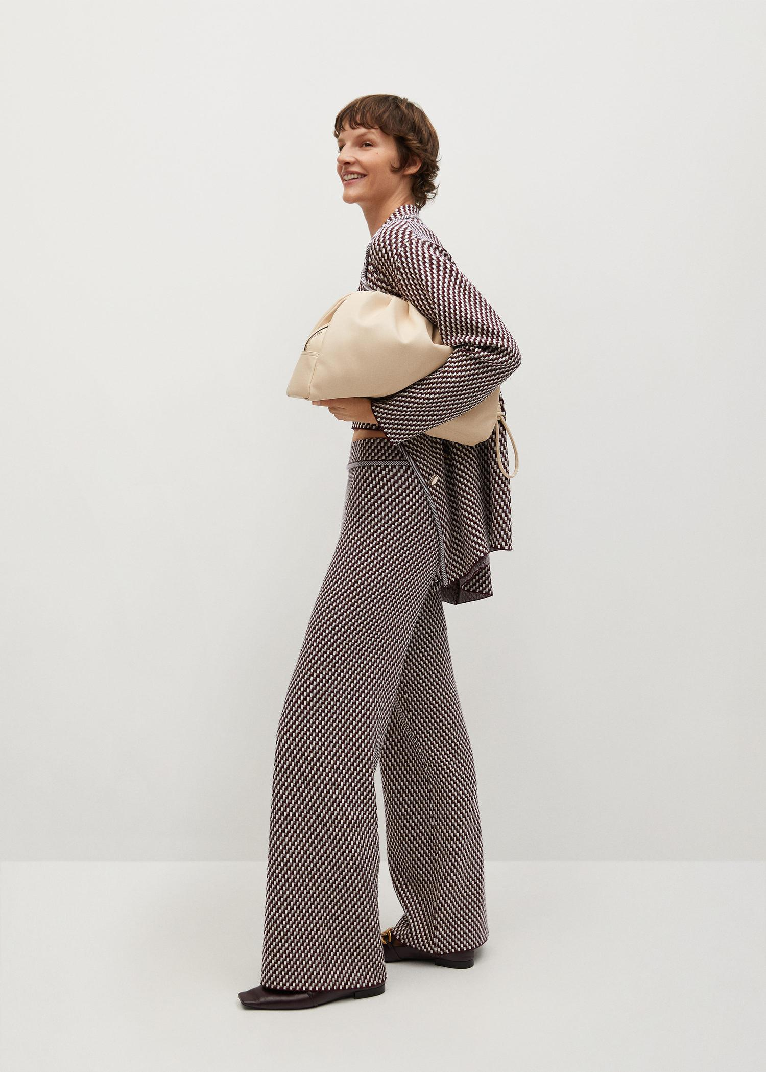 Knitted pants with geometric print 1