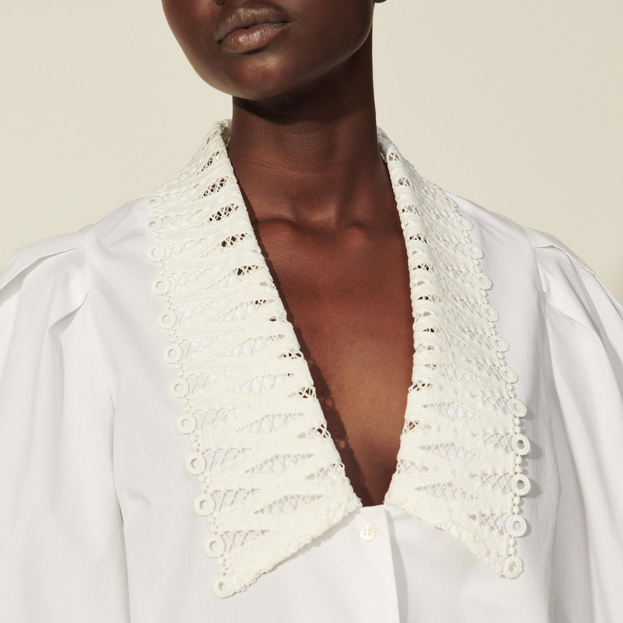 Shirt with large lace collar 4