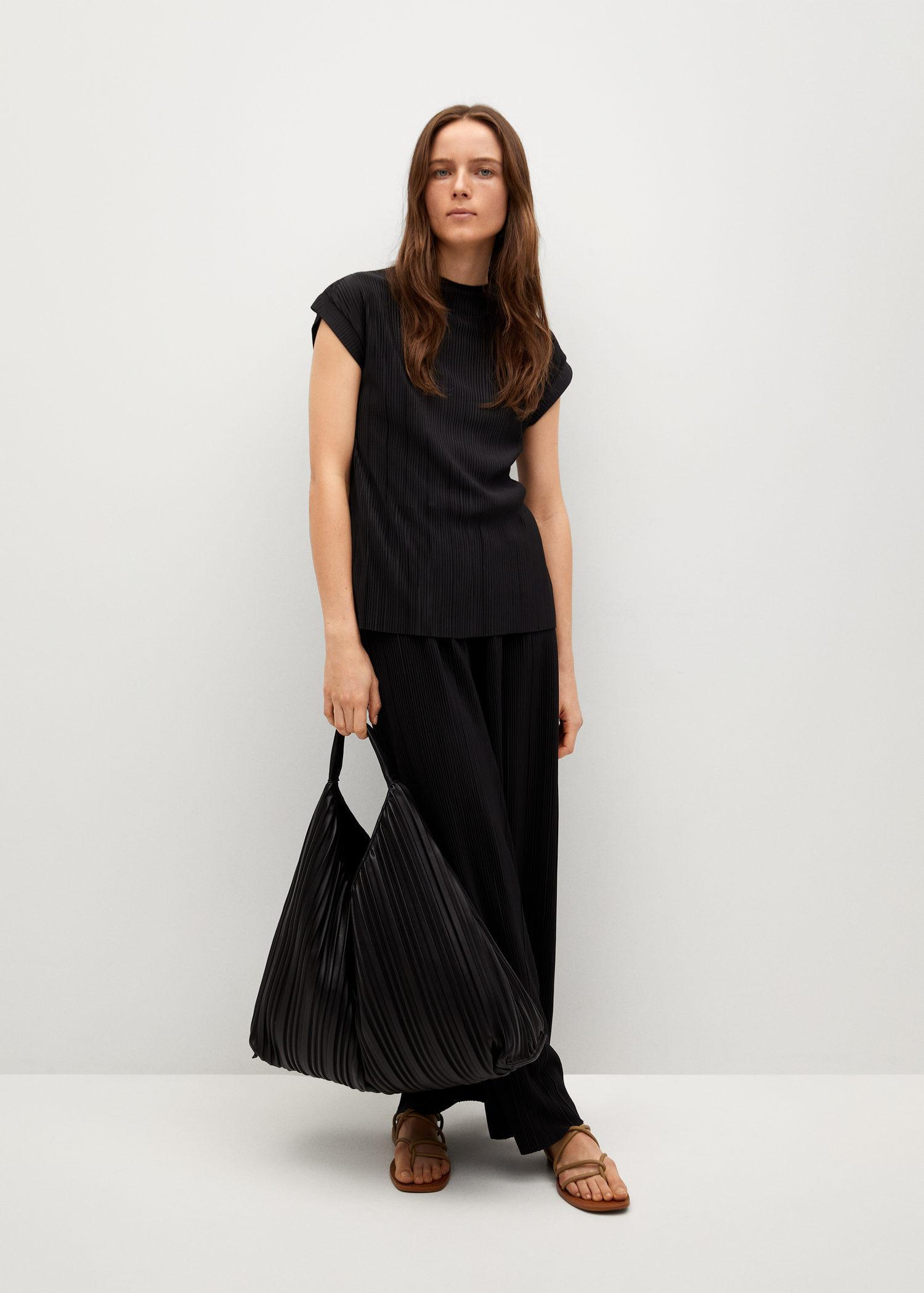 Pleated top 1