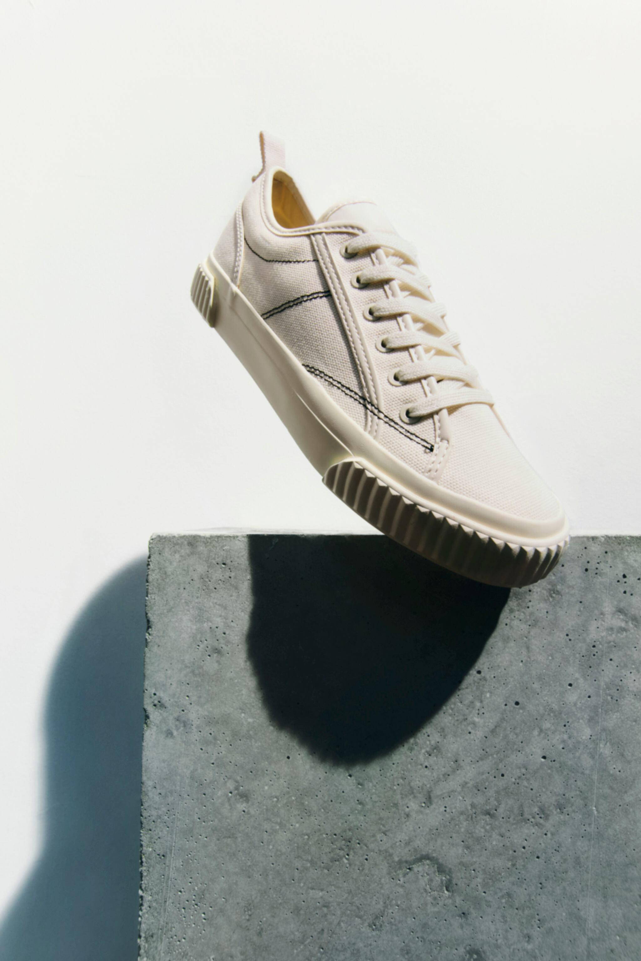 CANVAS SNEAKERS 0