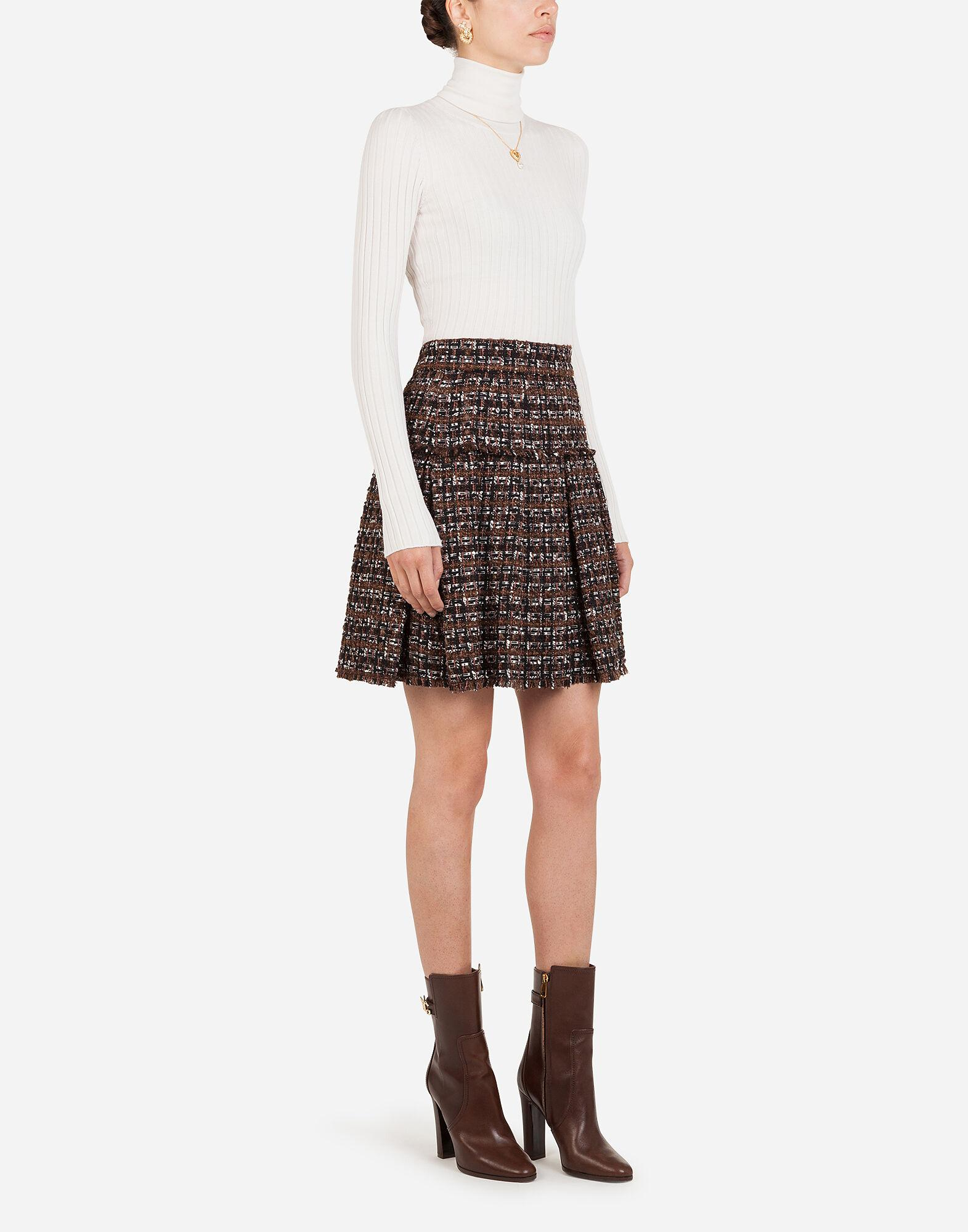 Short tweed circle skirt with flounce detailing 3