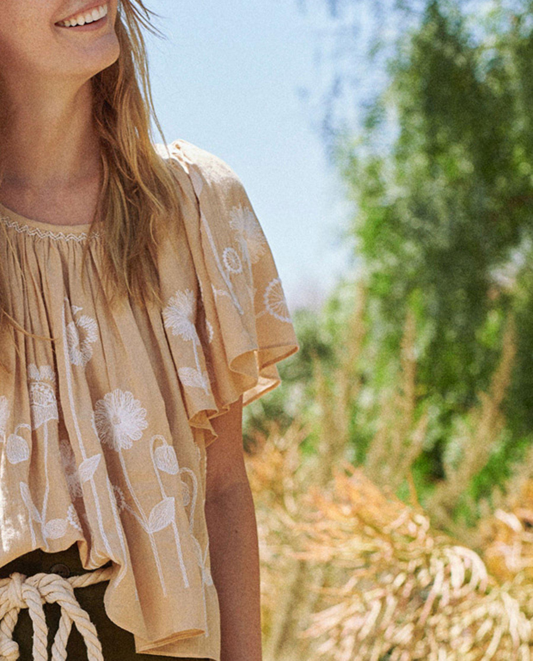 The Dale Top. -- Wheat with Trellis Floral Embroidery 4