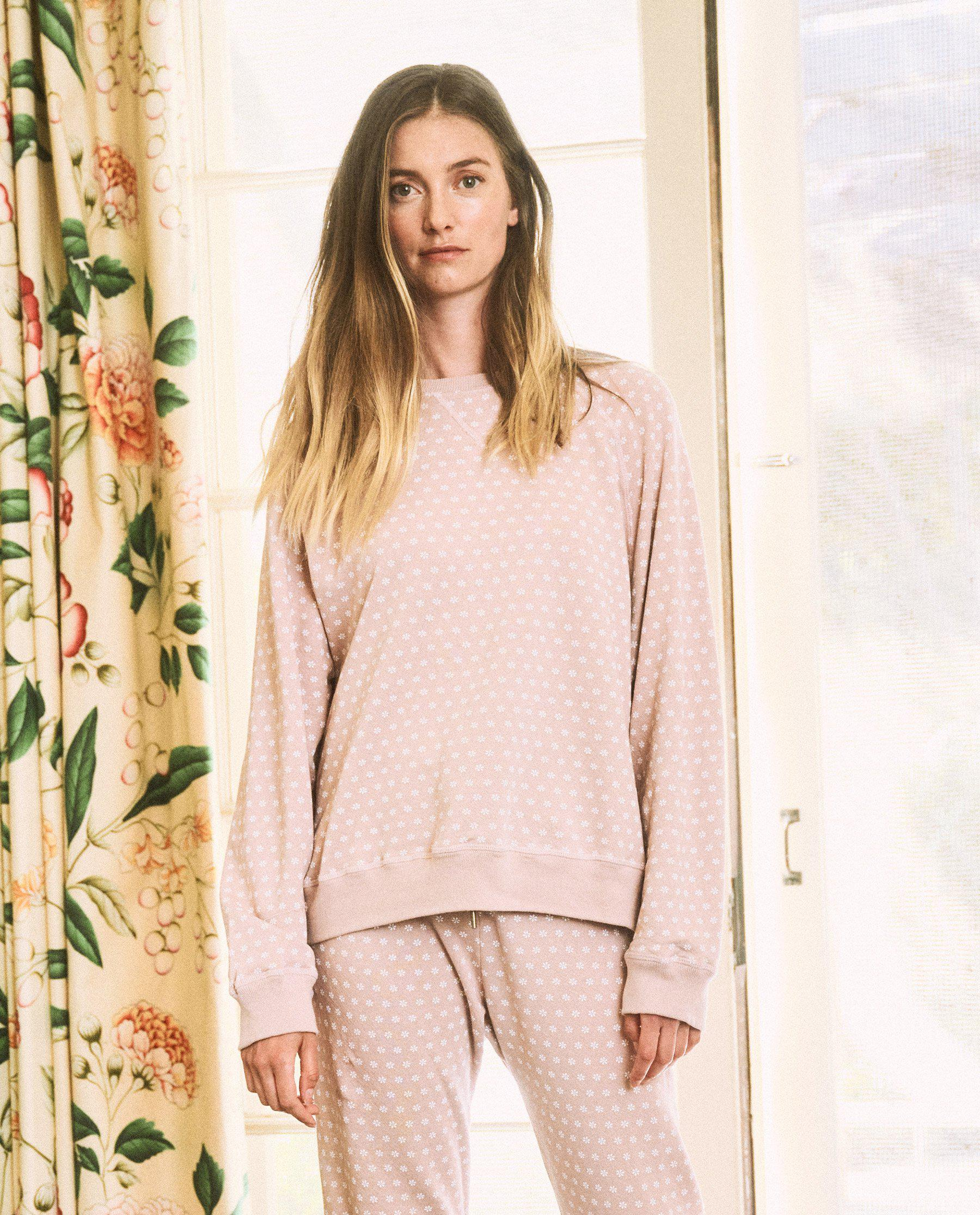 The Slouch Sweatshirt. -- Carnation with Daisy Print