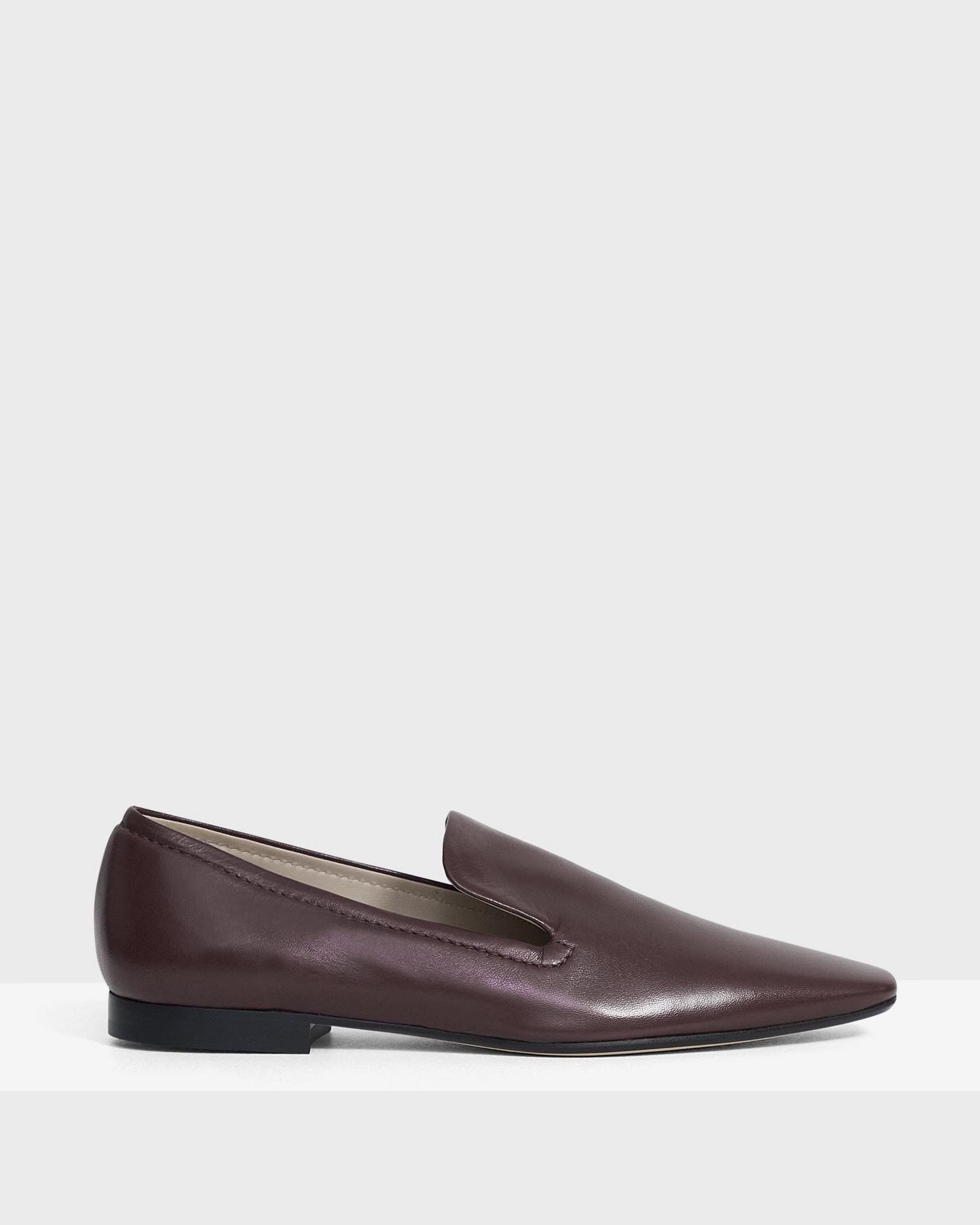 Pointed Loafer in Leather 1